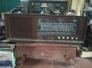 Đài phát thanh ống SABA...