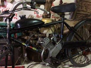 Xe đạp gắn máy