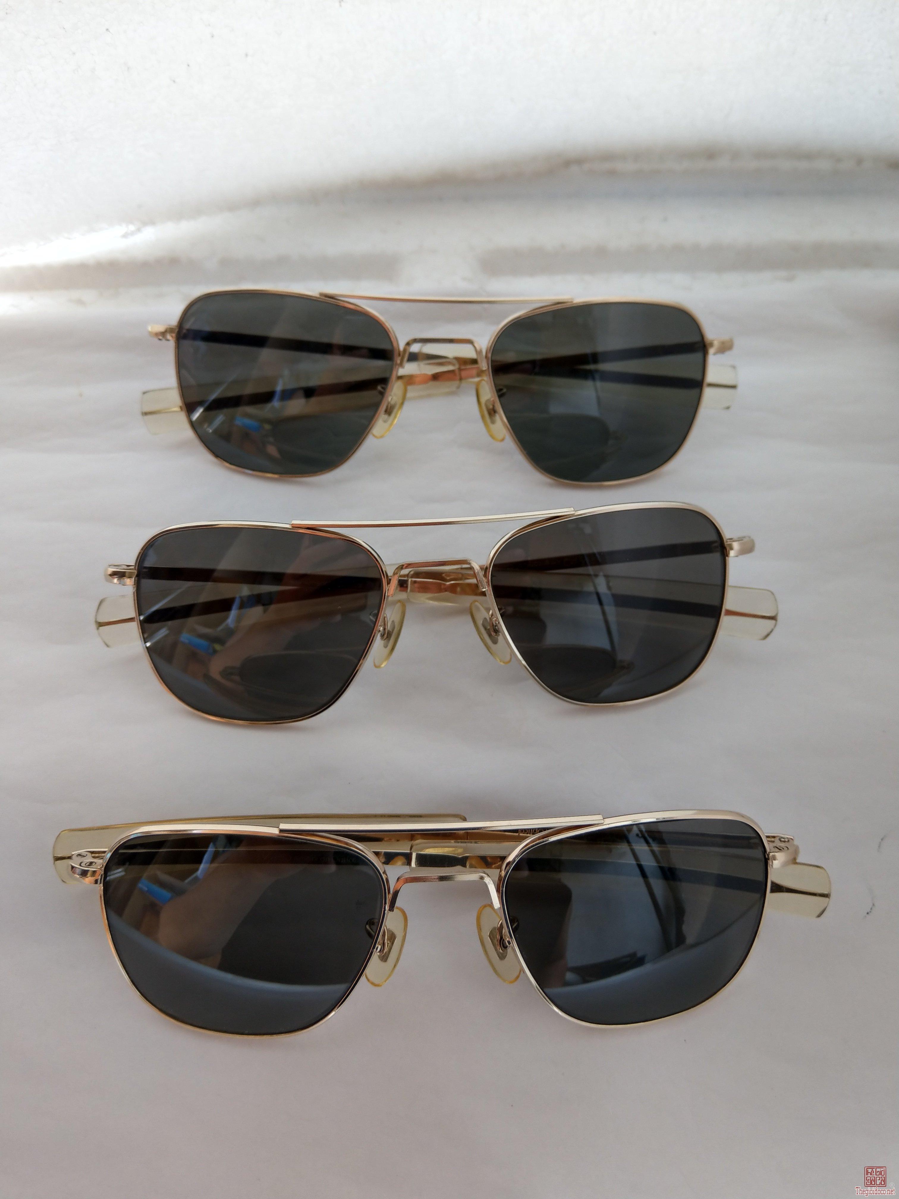 E mới về 3 cái kính cơn mạ vàng sx thập niên 1970