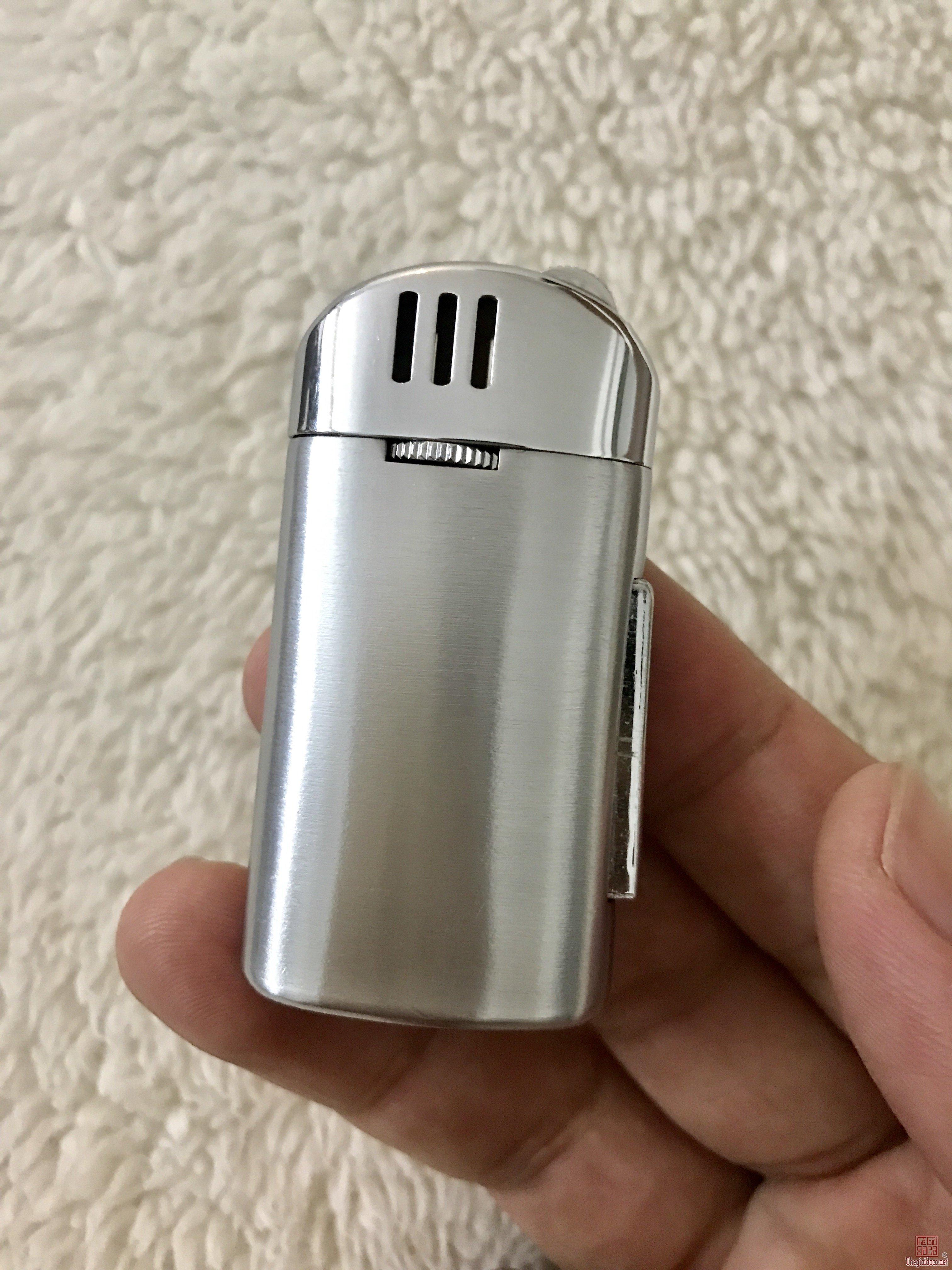 Bật lửa Atlas Echo của Nhật sản xuất