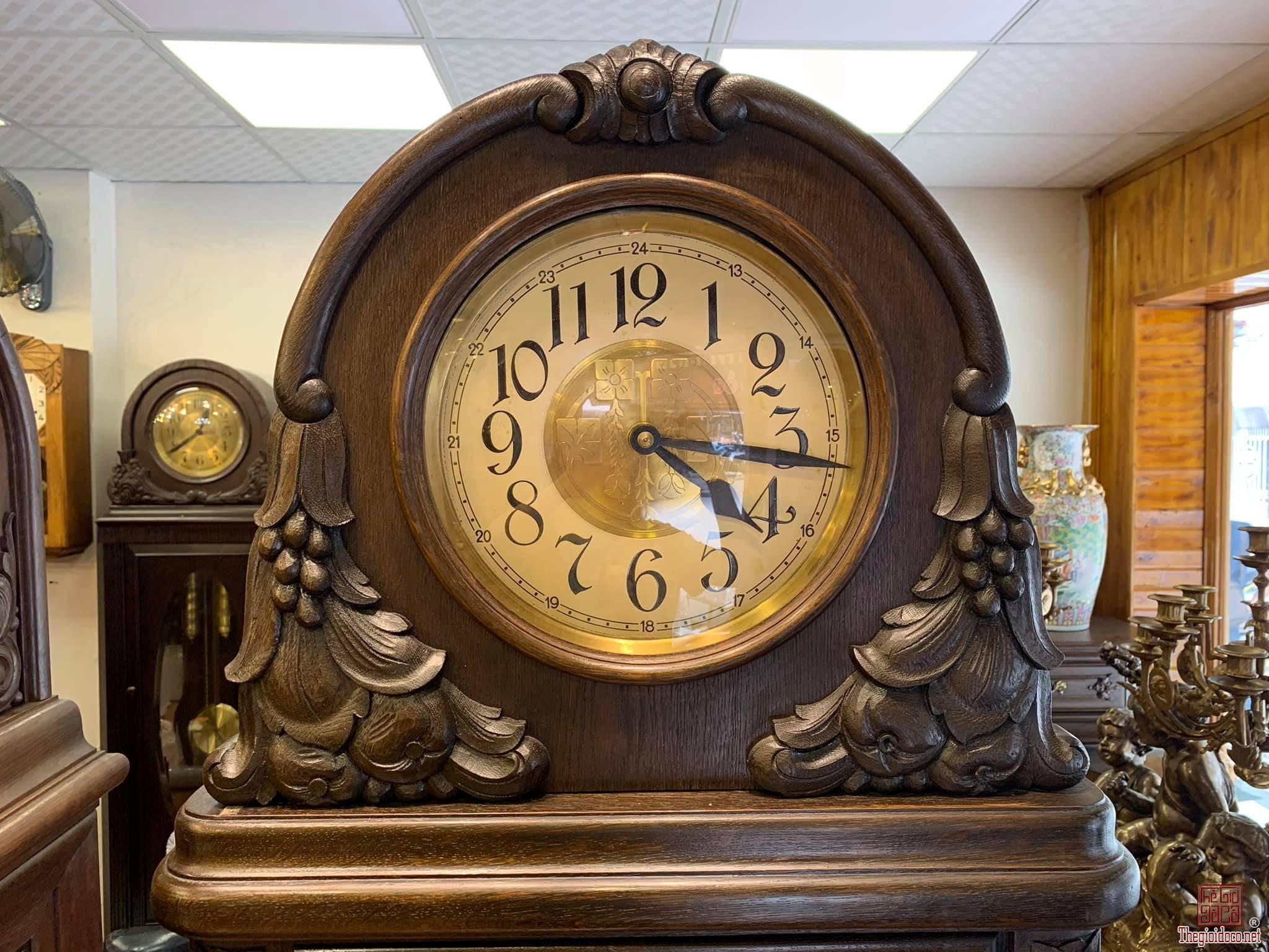 Đồng hồ tủ cây
