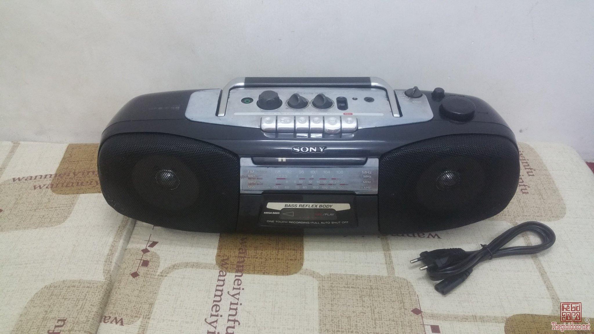 Đài Radio Cassette Sony CFS-B5...