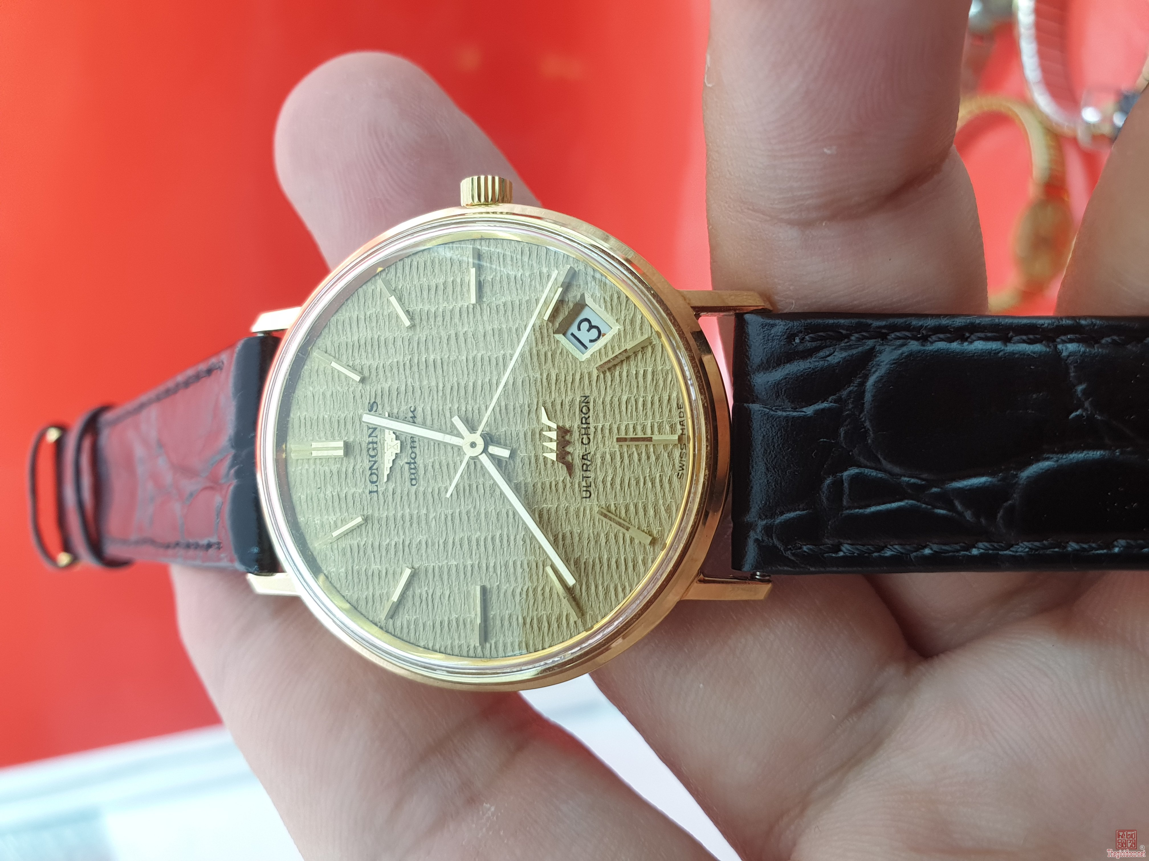 Độc dược Longines Ultra Chron vỏ vàng khối 18k mặt vàng khối đẹp xuất sắc xưa chính hãng