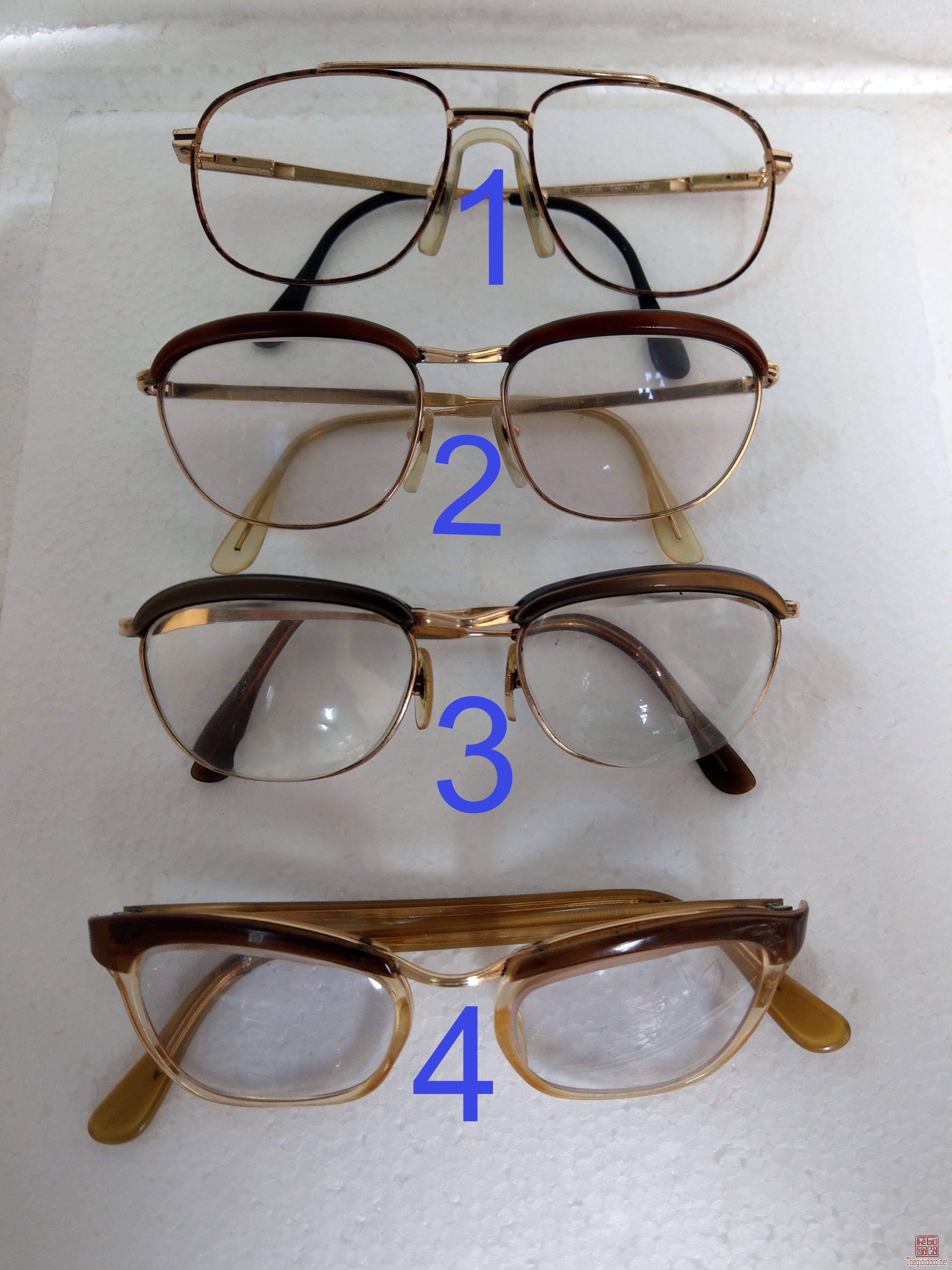Có  4  cái kính cổ mới về mạ vàng, bọc vàng  có đầy dủ hết, 3 cái Lamy và 1 cái Amor. Tất cả của Páp