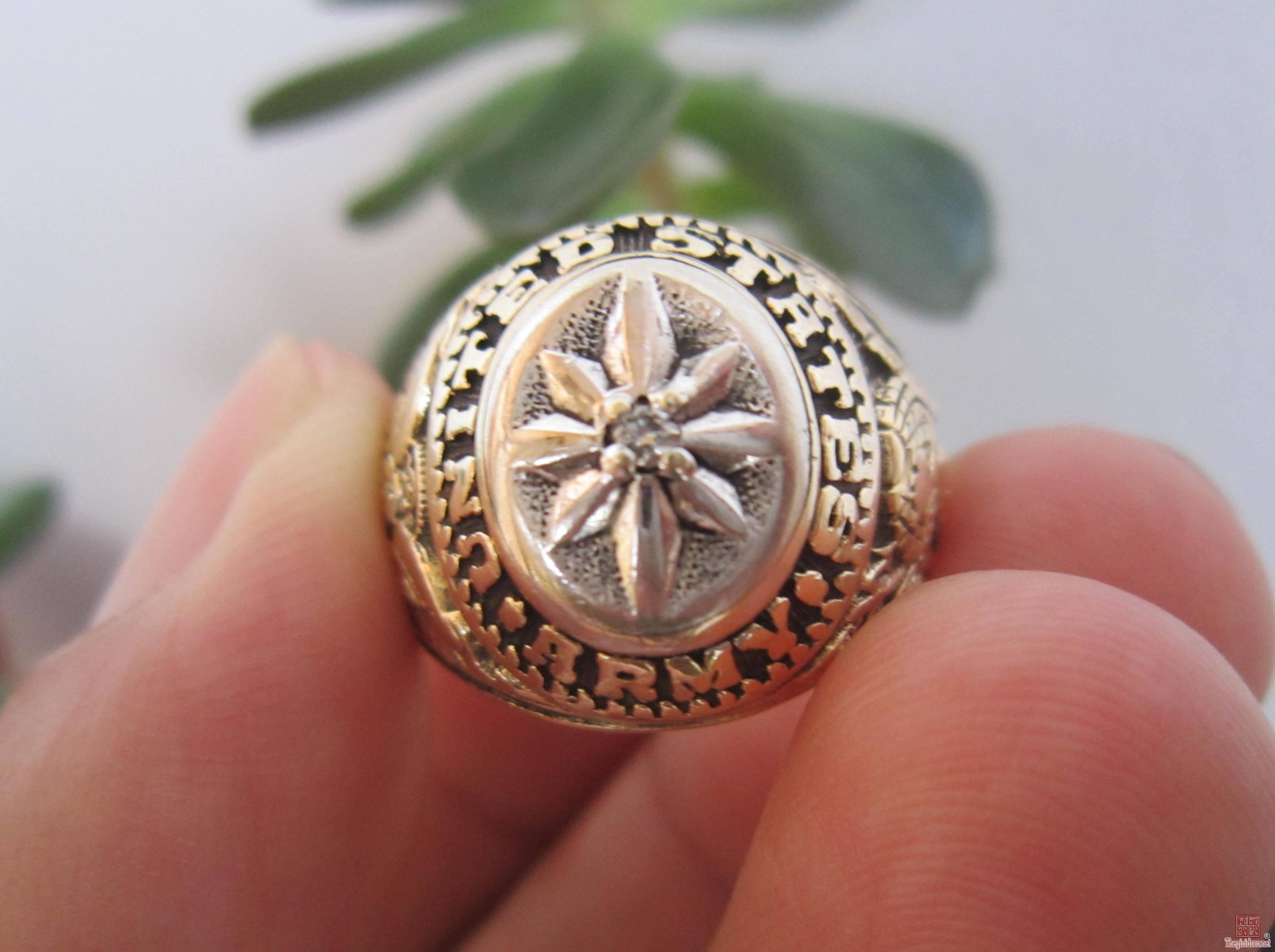 Nhẫn vàng 10K, Bộ binh Hoa Kỳ, xoàn thiên nhiên trên hình ngôi sao bắc đẩu.