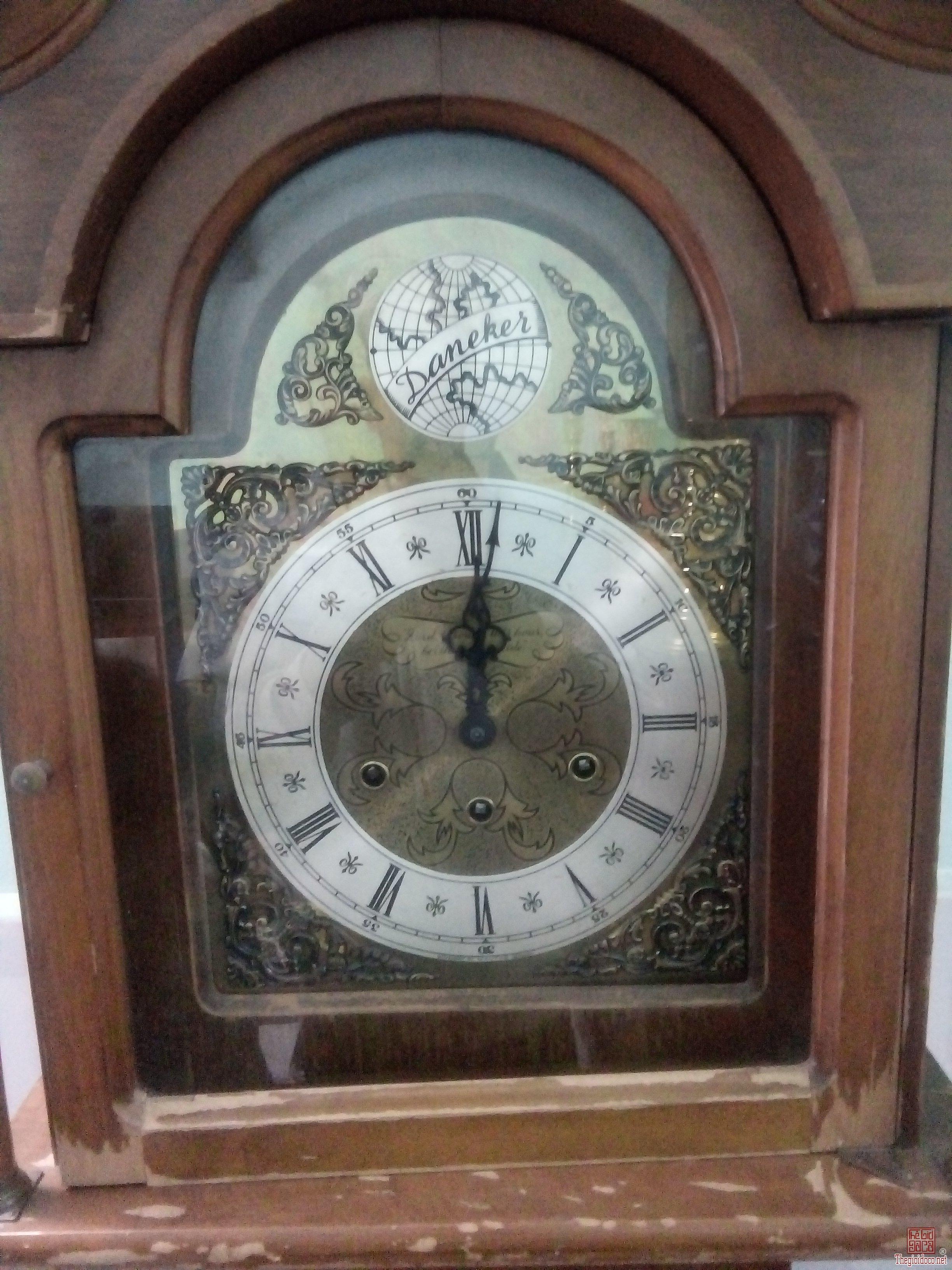 Bán tủ đồng hồ của đức zin nguyên bản.