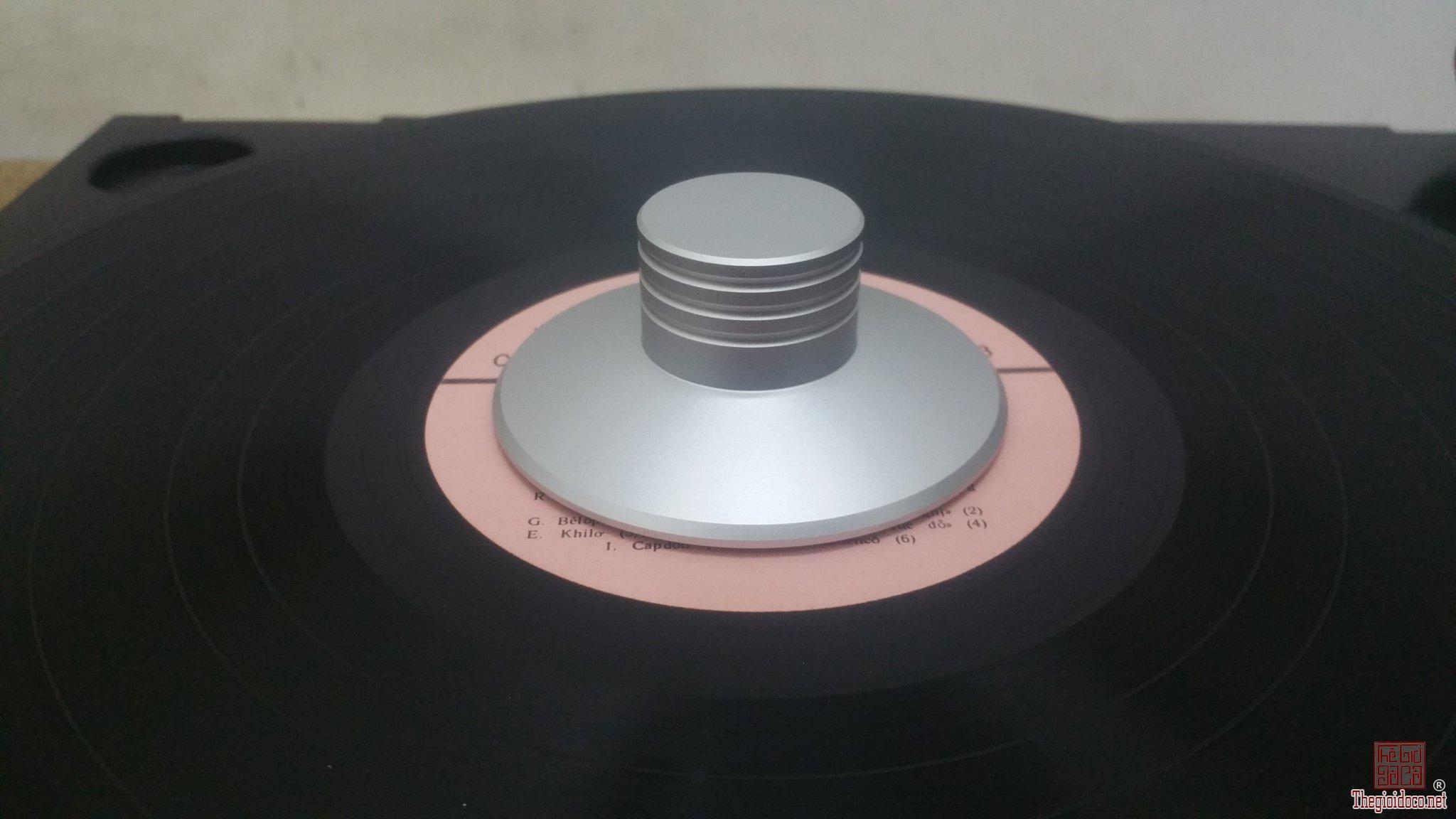 Cục chặn giúp ổn định đĩa than LP giá bán = 300 nghìn đồng