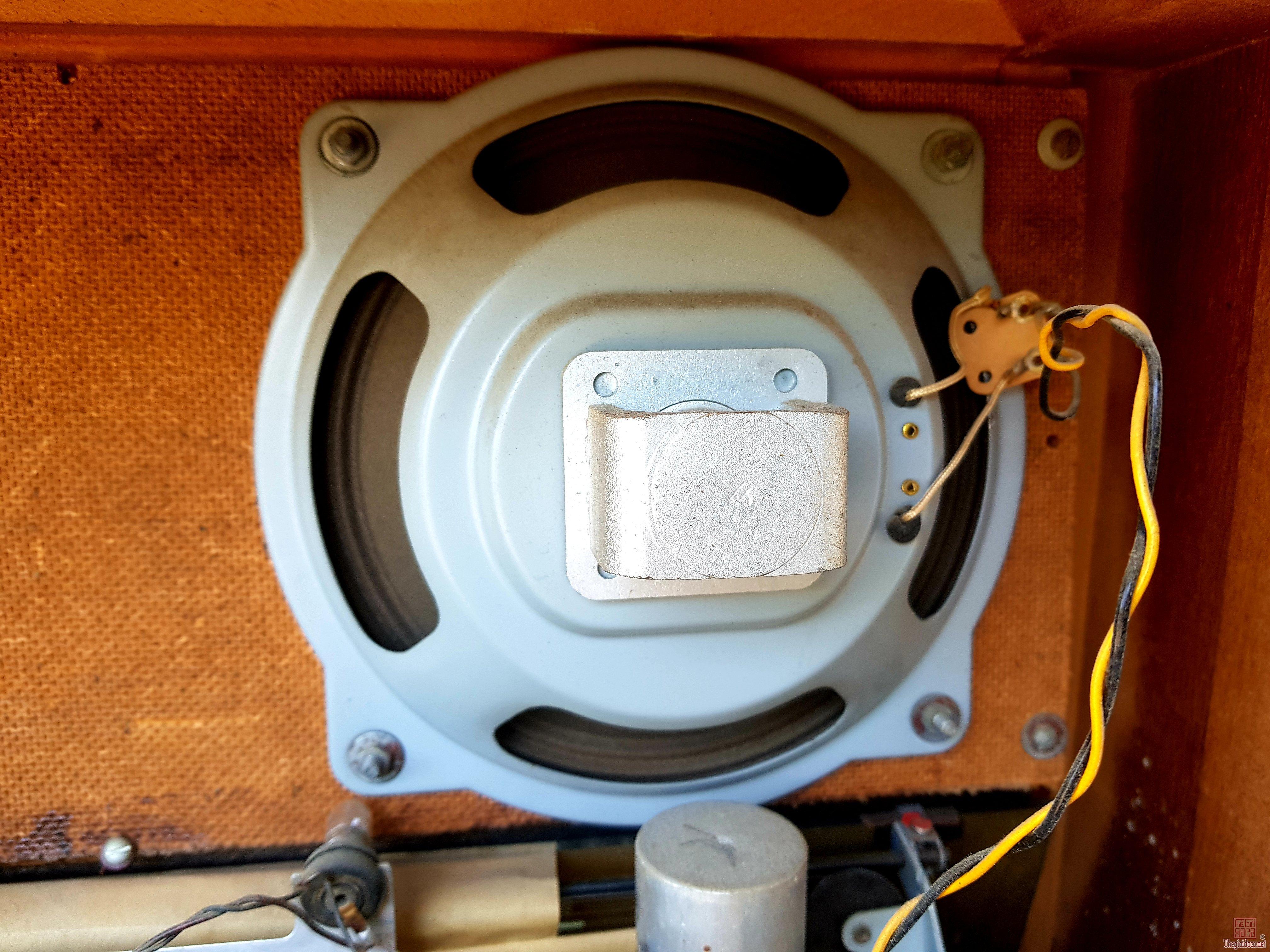 RADIO SCHAUB - Facific 4077 Xài Bóng Đèn
