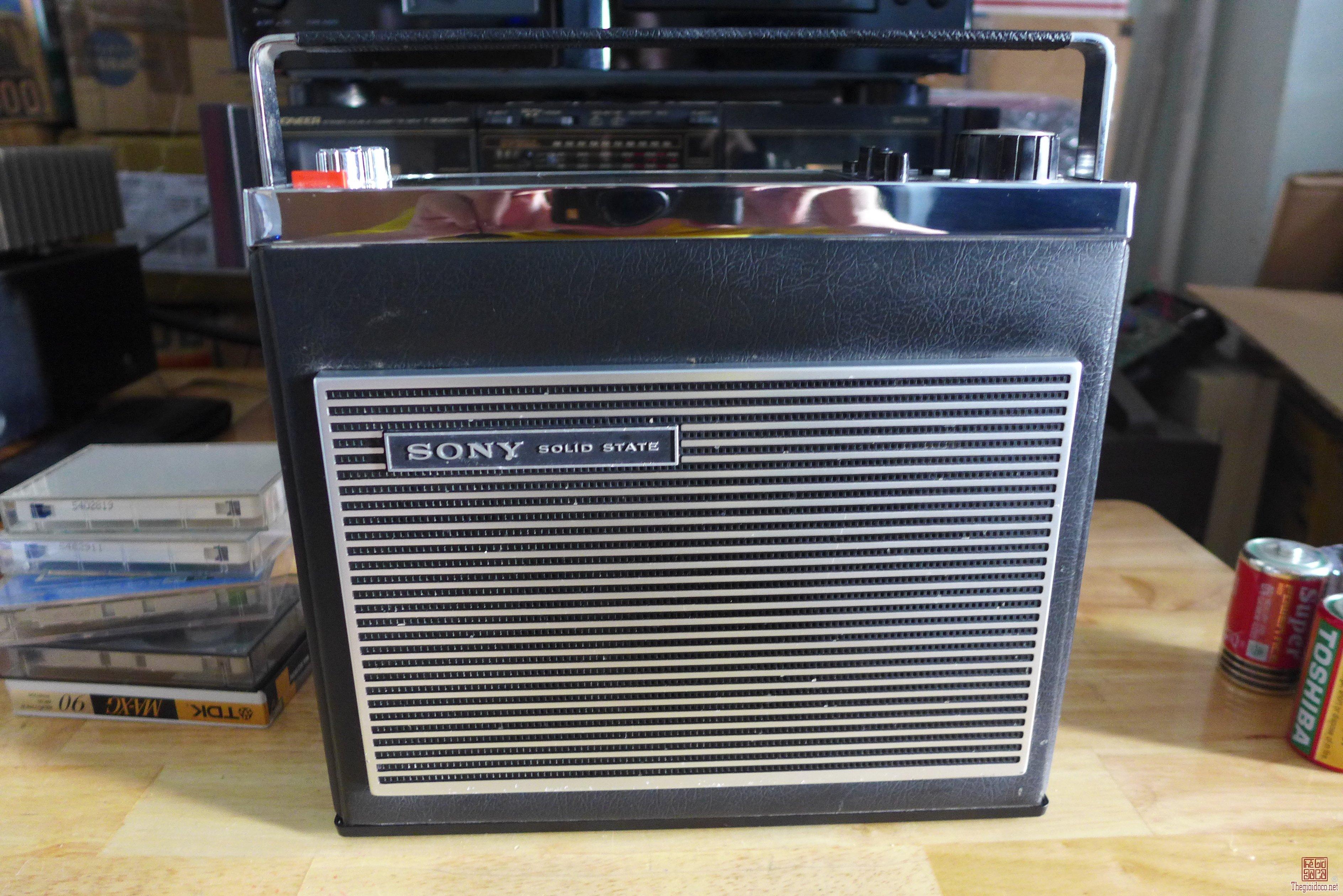 HCm - Q10 - Bán radio Sony TFM - 8030L