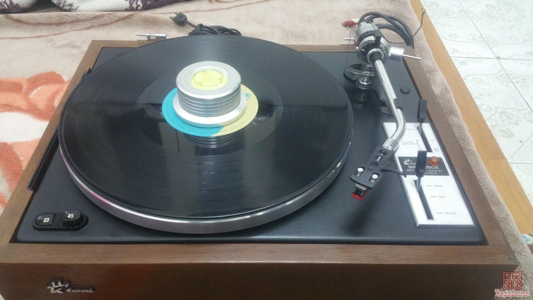 (Cục chặn 3 trong 1) giúp kiểm tra và ổn định đĩa than LP giá bán = 380 nghìn đồng