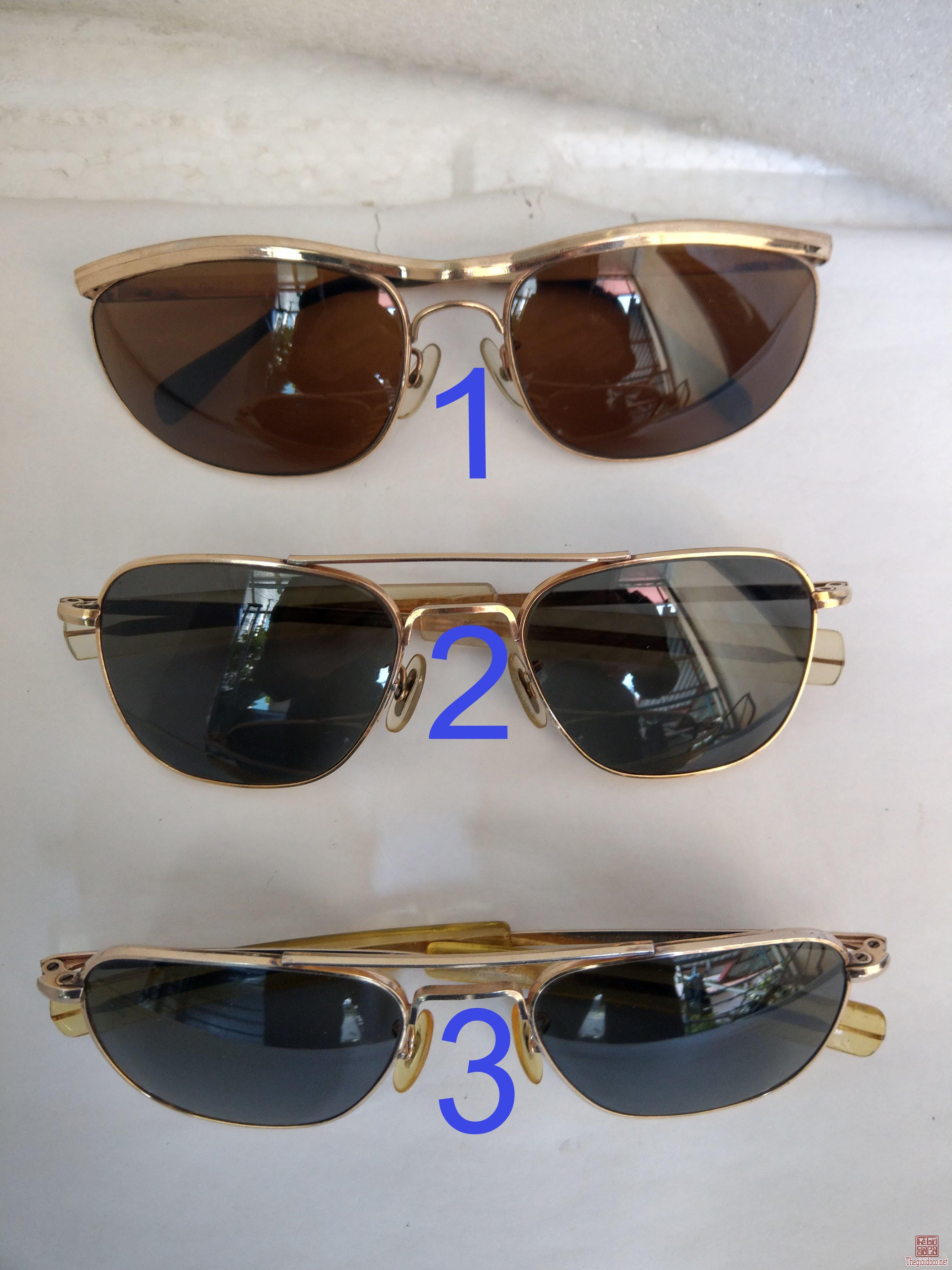 Có  3  cái kính cổ mới về bọc vàng, 2 cái  kính cơn AmericanOptical - USA và 1 cái ALGHA Của Anh