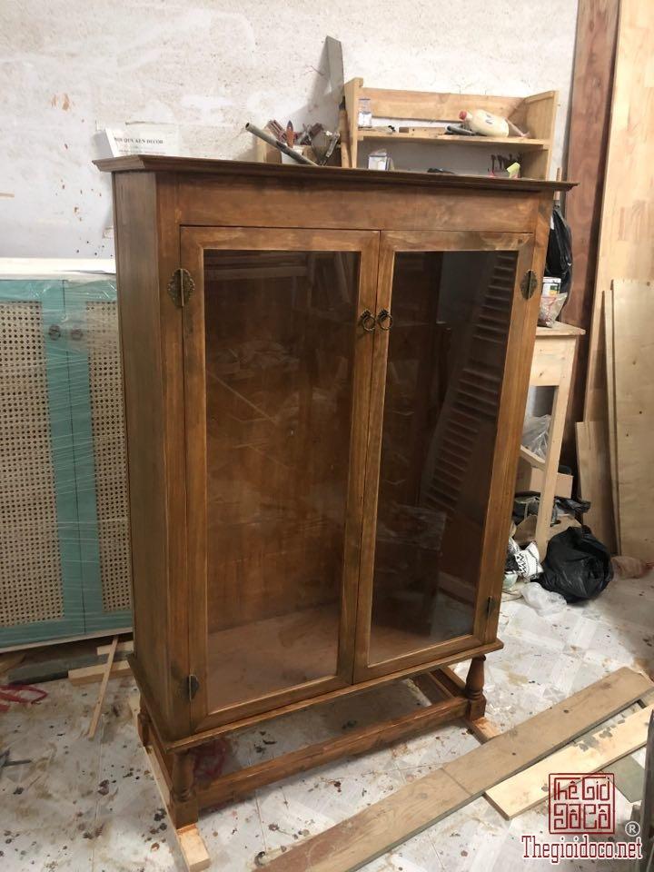 Tủ gỗ đứng vintage T10-05 (tủ 2 cửa kính)