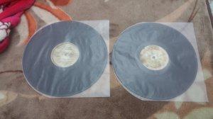 2 đĩa than LP nhạc nhẹ Quốc Tế...