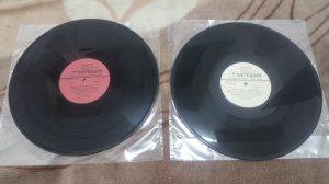 2 đĩa than LP nhạc nhẹ chữ tình...