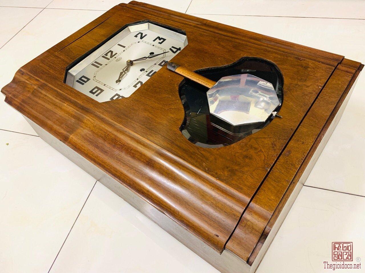 Đồng hồ Odo 30 vồ vuông rất đẹp