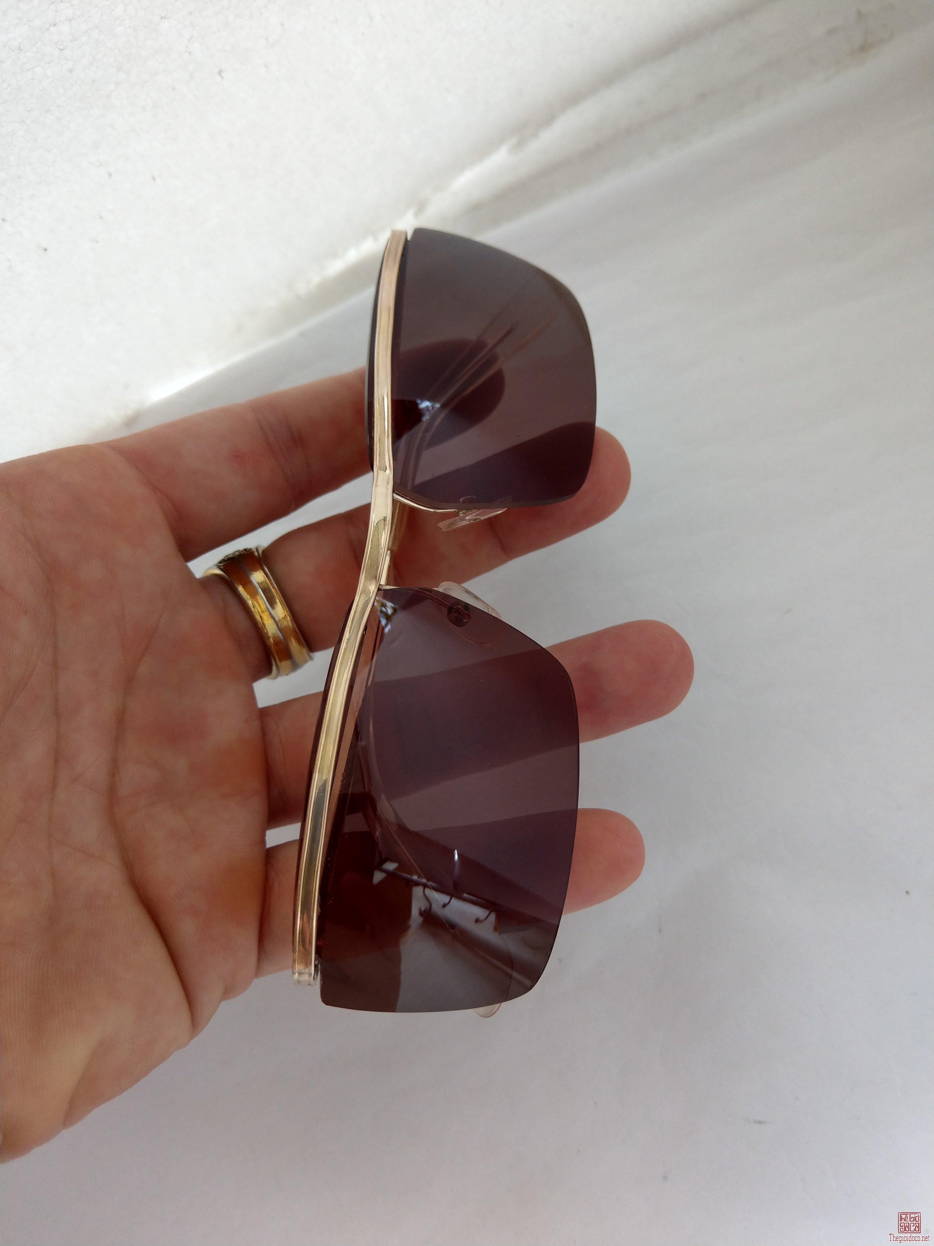 kính Amor 3 răng bản lề kép bọc 2 triện vàng đẹp lung linh của Pháp.