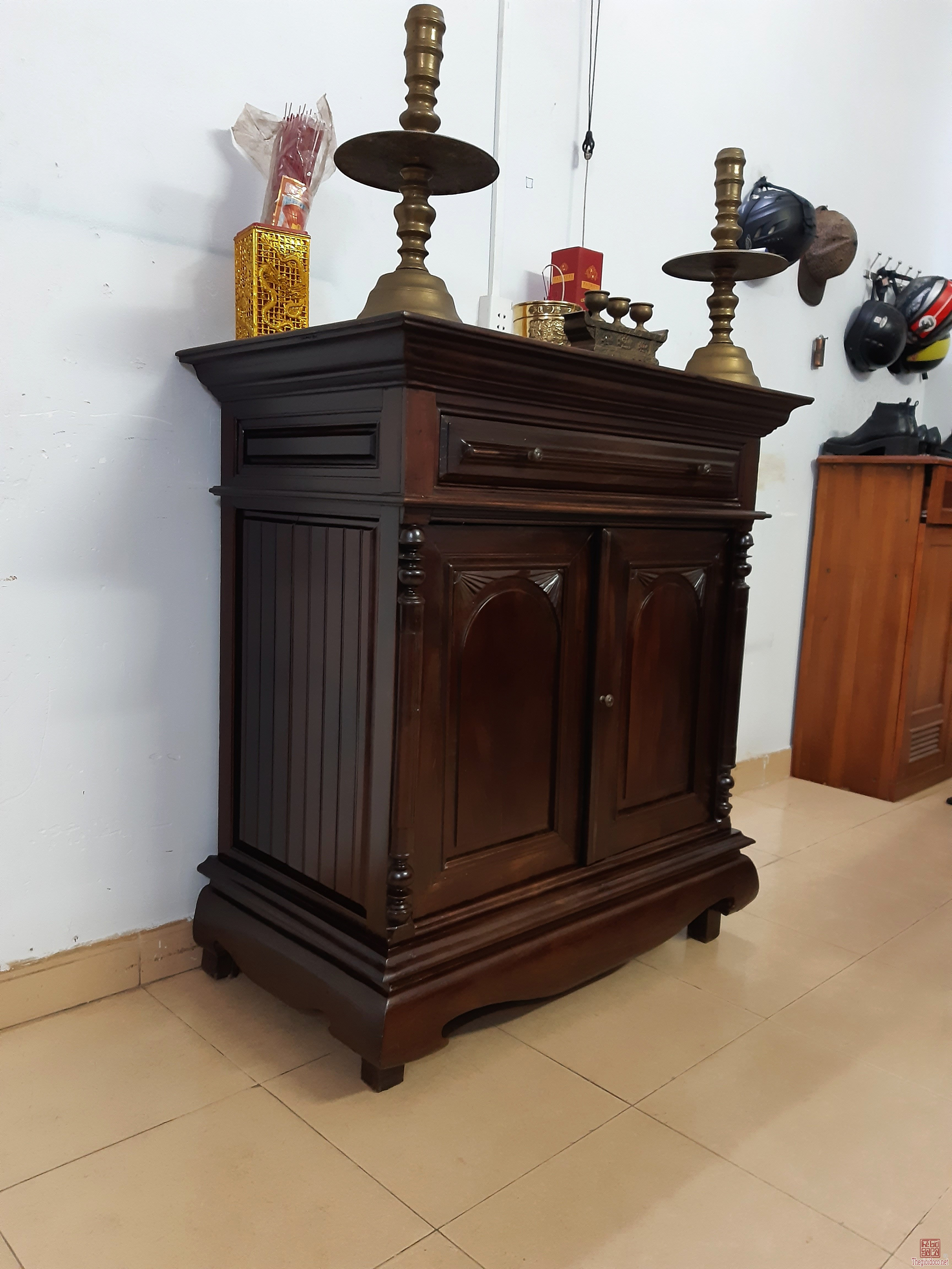 Cần bán tủ thờ xưa gỗ lim