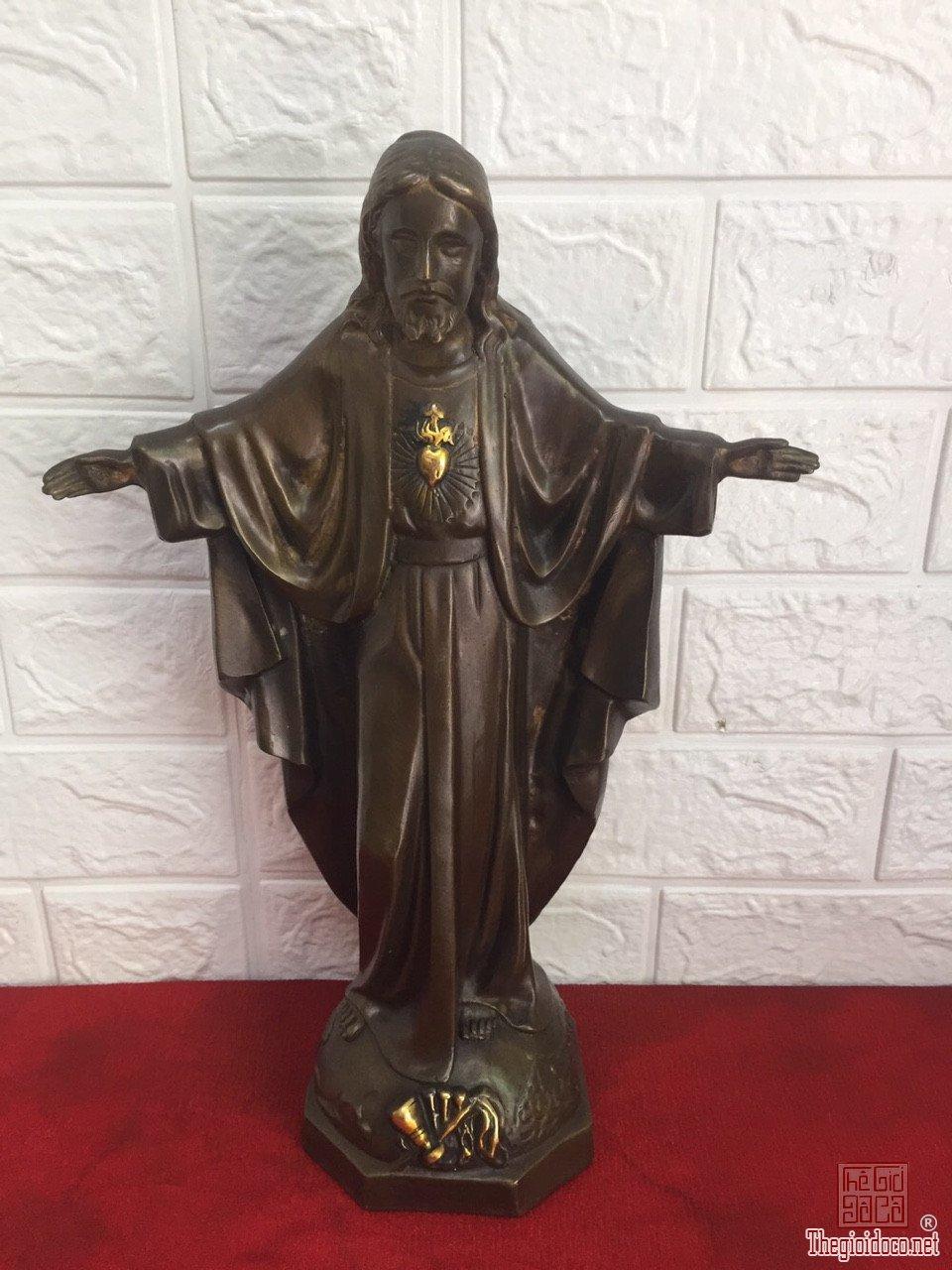 Bộ tượng Chúa Jesus và Thánh Giuse và Đức Mẹ