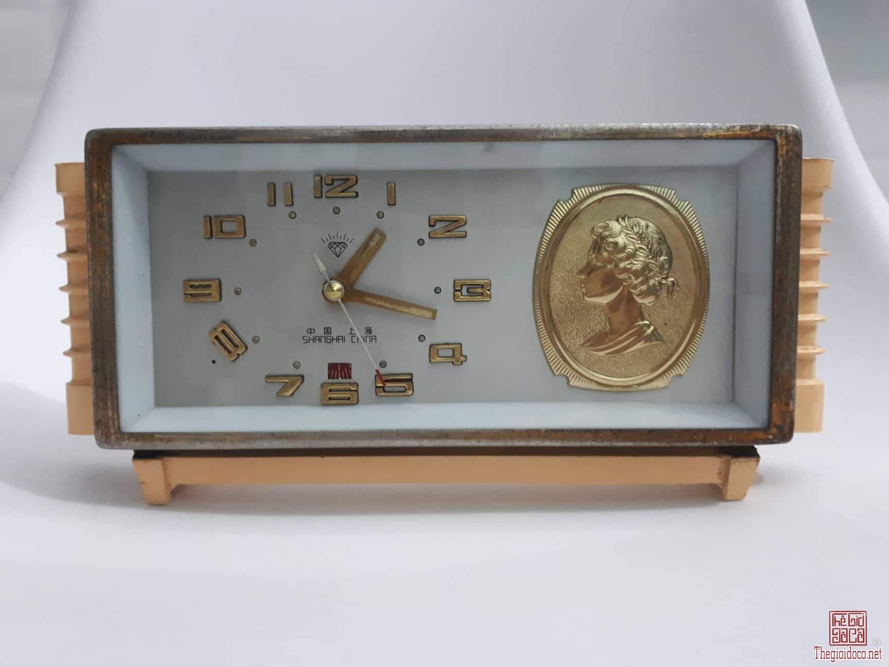 Đồng hồ dây cót Tống Mỹ Linh
