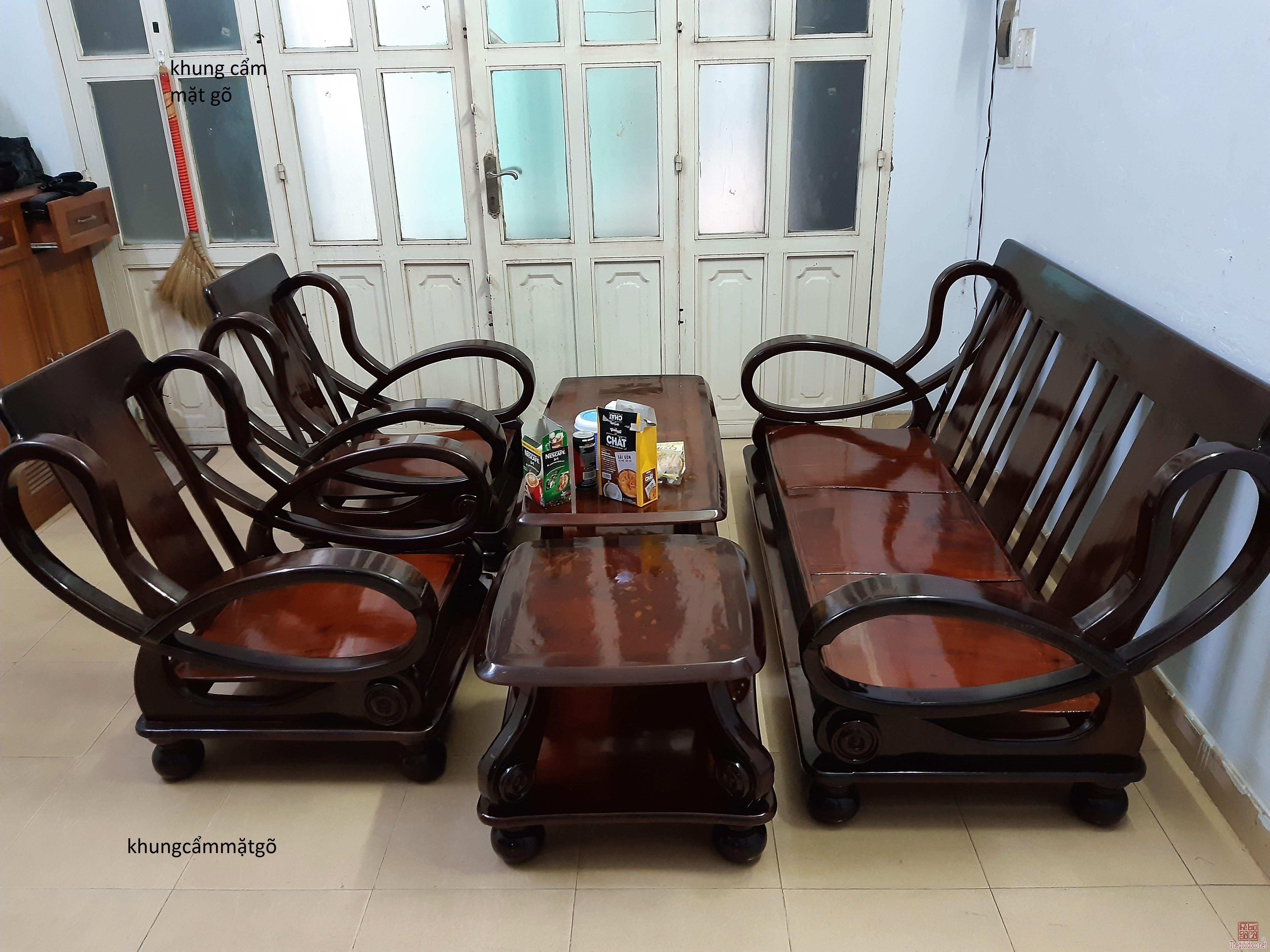 Nhà chật bán bộ ghế gỗ xin
