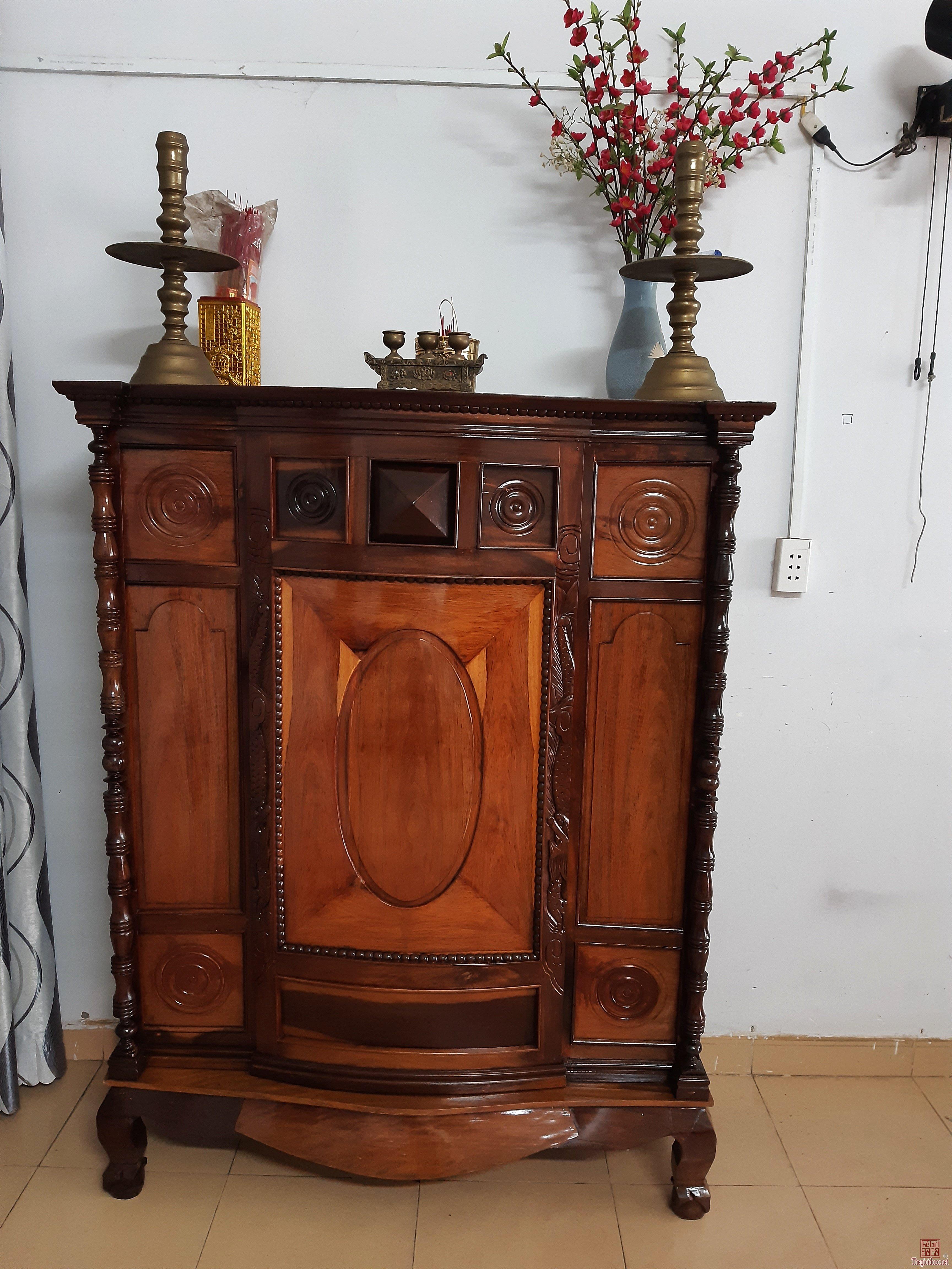 Cần bán tủ thờ xưa gỗ hương
