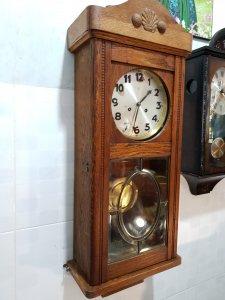 Đồng hồ treo tường cổ Junghans Đức
