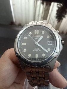 Đồng hồ SEIKO kinetic mặt đen...