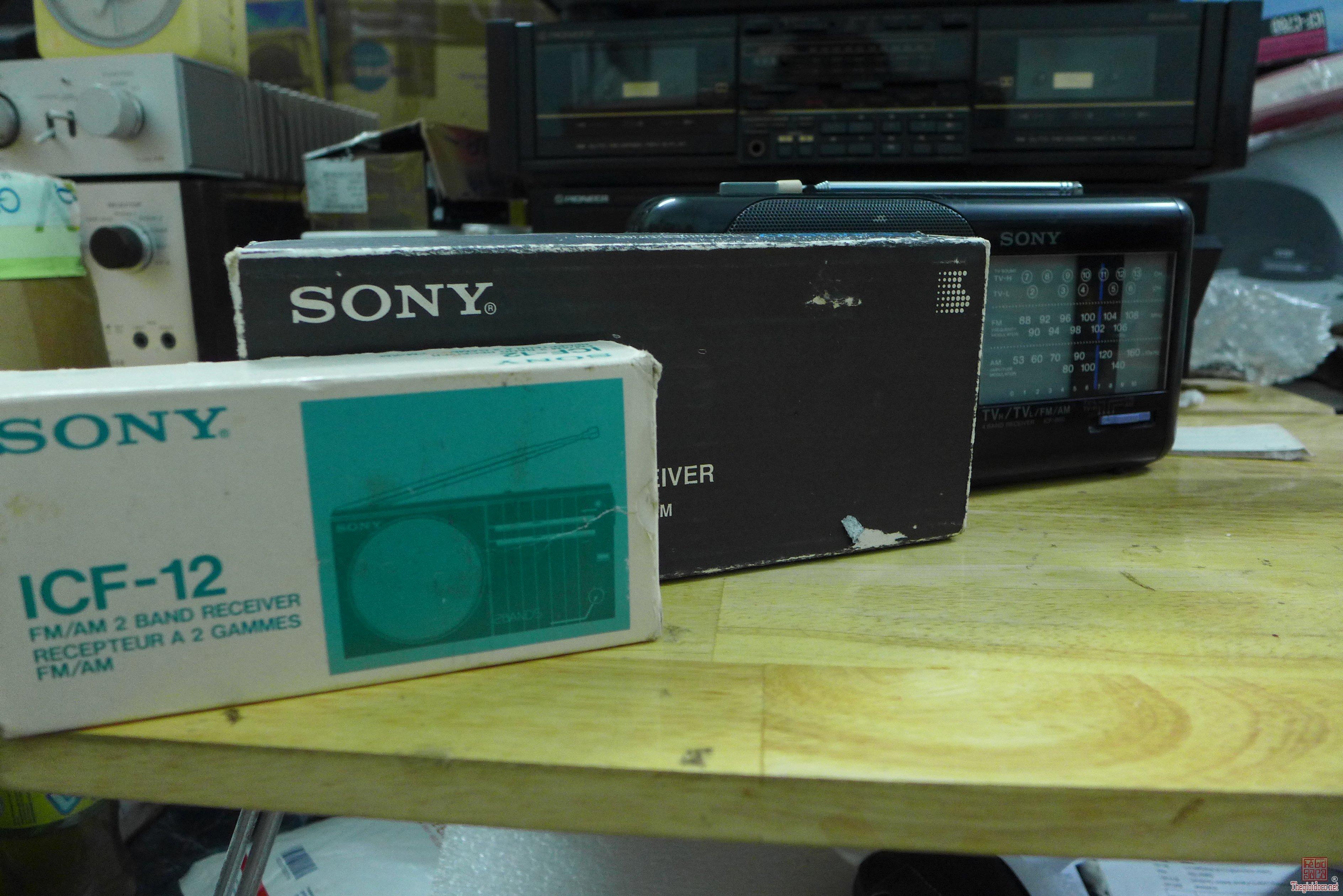 HCM - Q10 - Bán radio Sony ICF 860 và M350V
