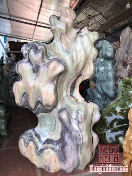 Ms20.44.Cây đá tự nhiên ngũ sawcsgias bình dân.Lh/zalo:0968551668
