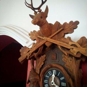 Đồng hồ cúc cu sừng hươu máy tuần