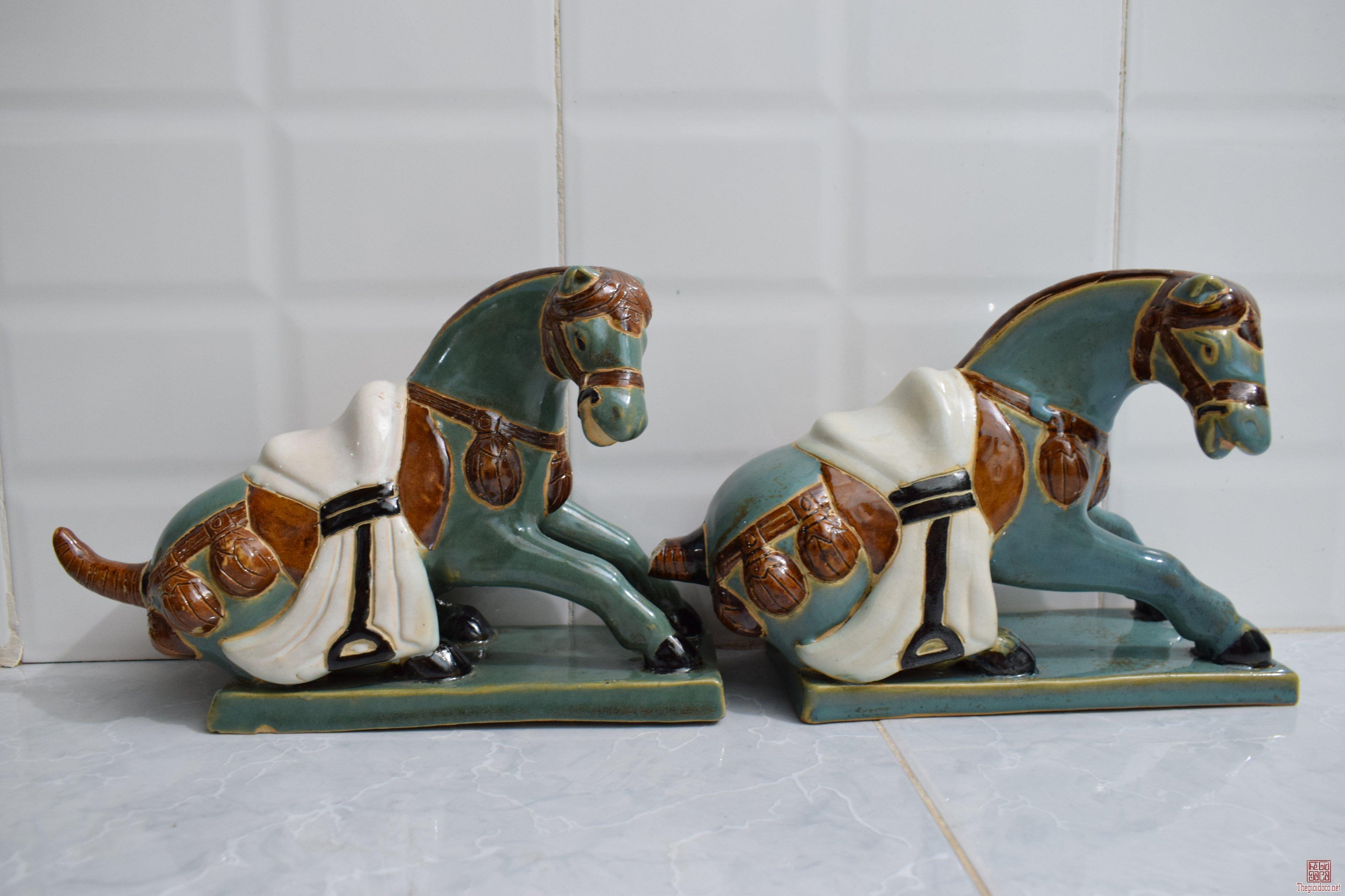 cặp ngựa BH xưa cũ men trổ đồng
