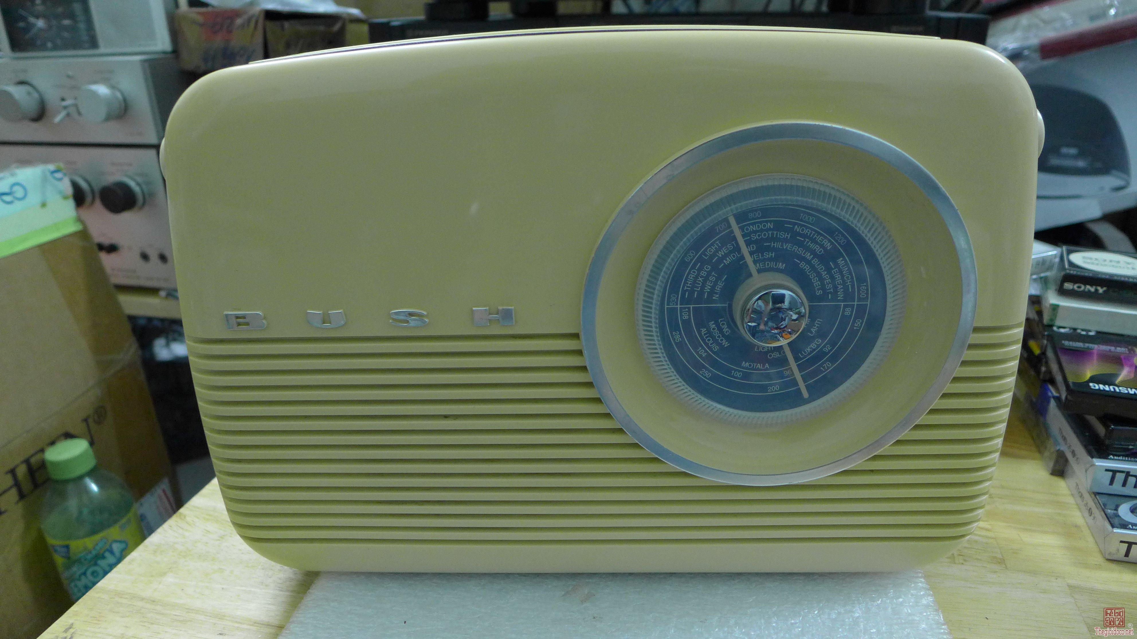 HCM - Q10 - Bán radio Bush TR82 - UK.