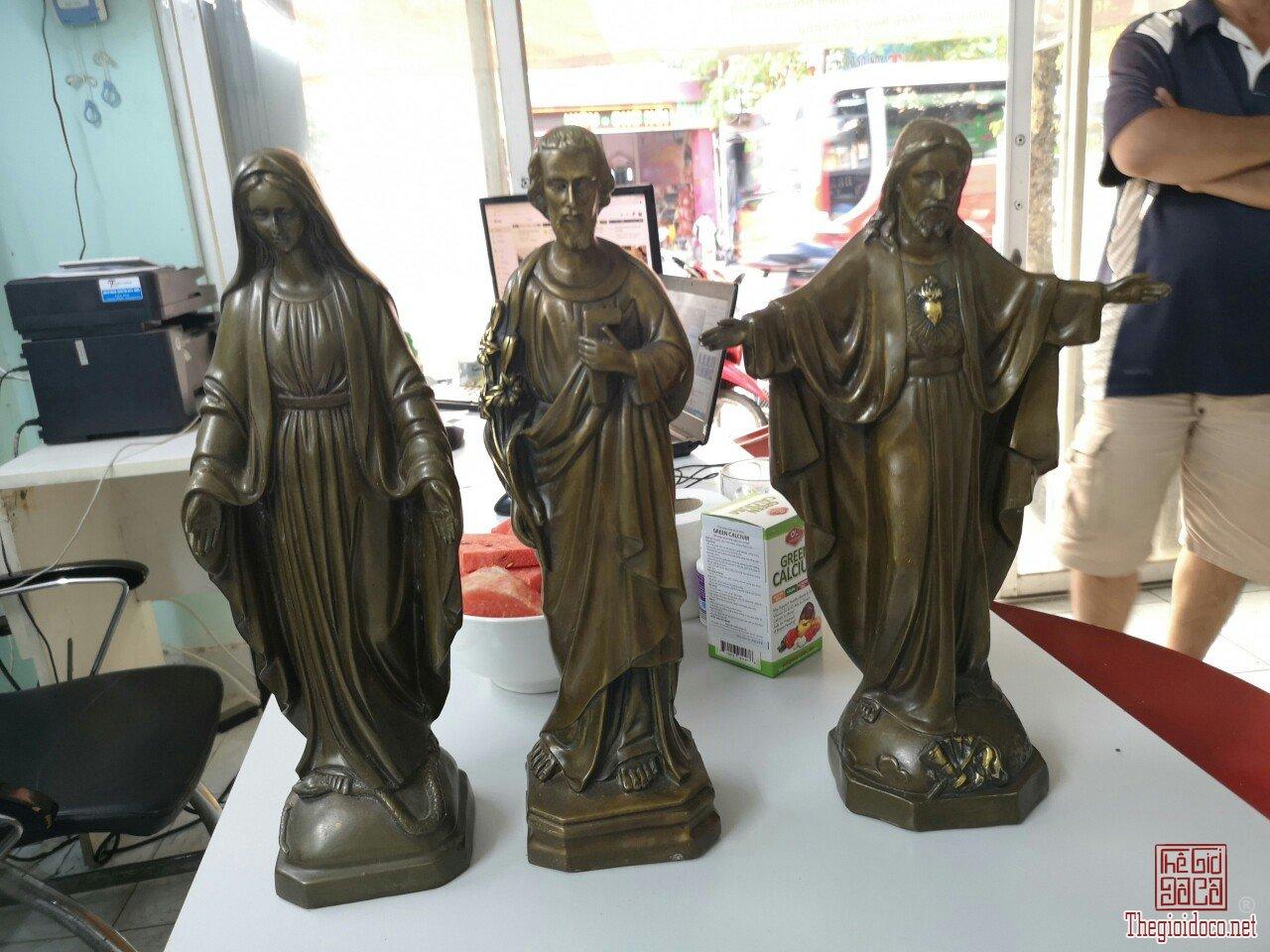 Bộ tượng Chúa Jesus và đức mẹ và thánh Giuse quý hiếm giá mềm