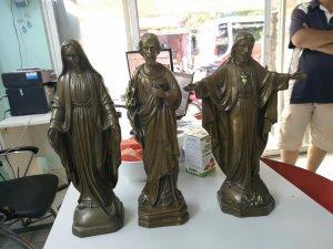 Bộ tượng Chúa Jesus và đức mẹ...