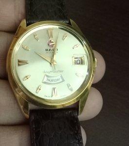 Đồng hồ xưa RADO lịch cười bọc...