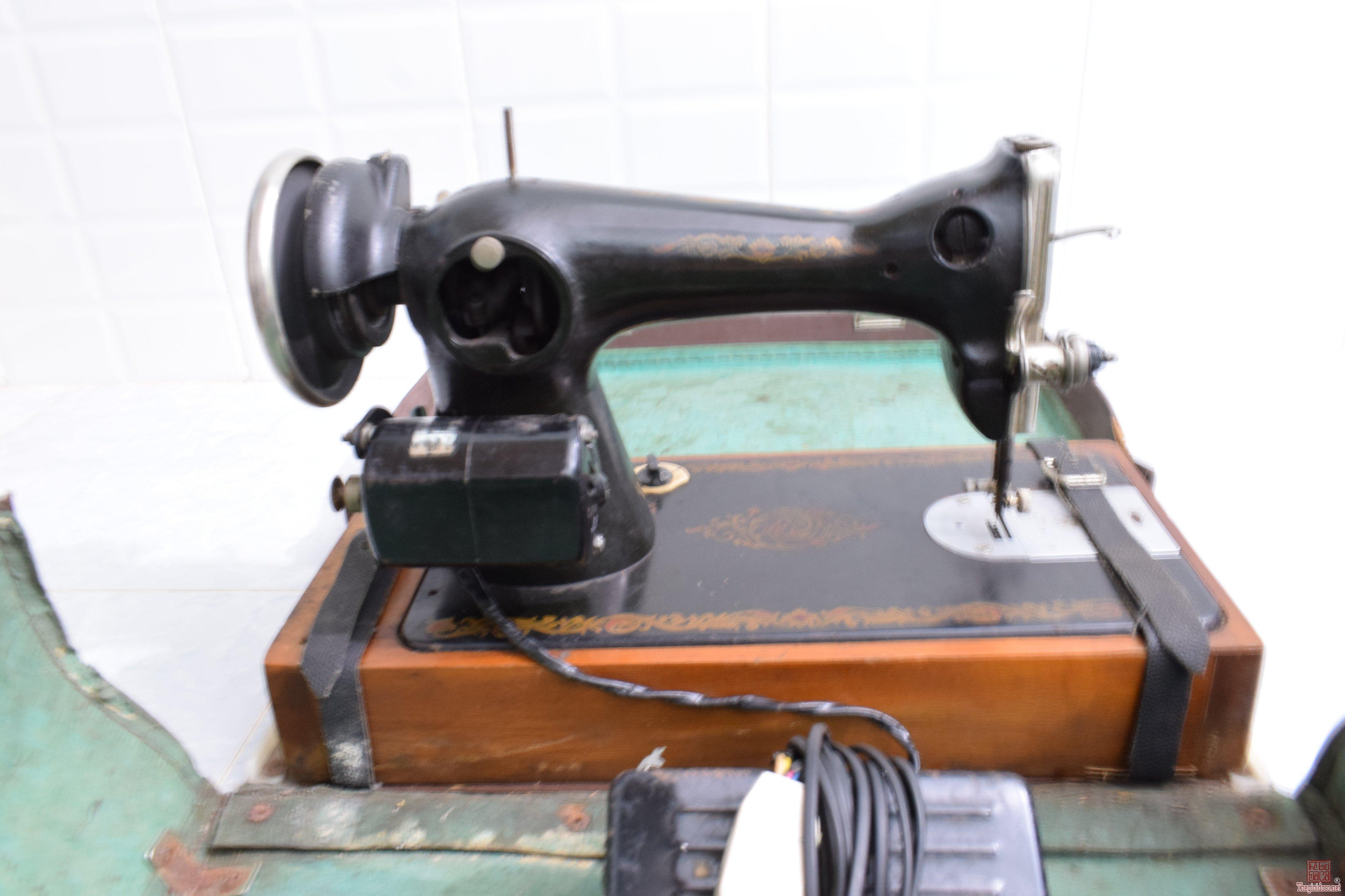 máy khâu xưa còn hộp