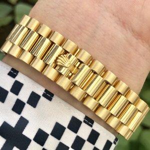 Rolex 118208 vỏ vàng đúc 18k