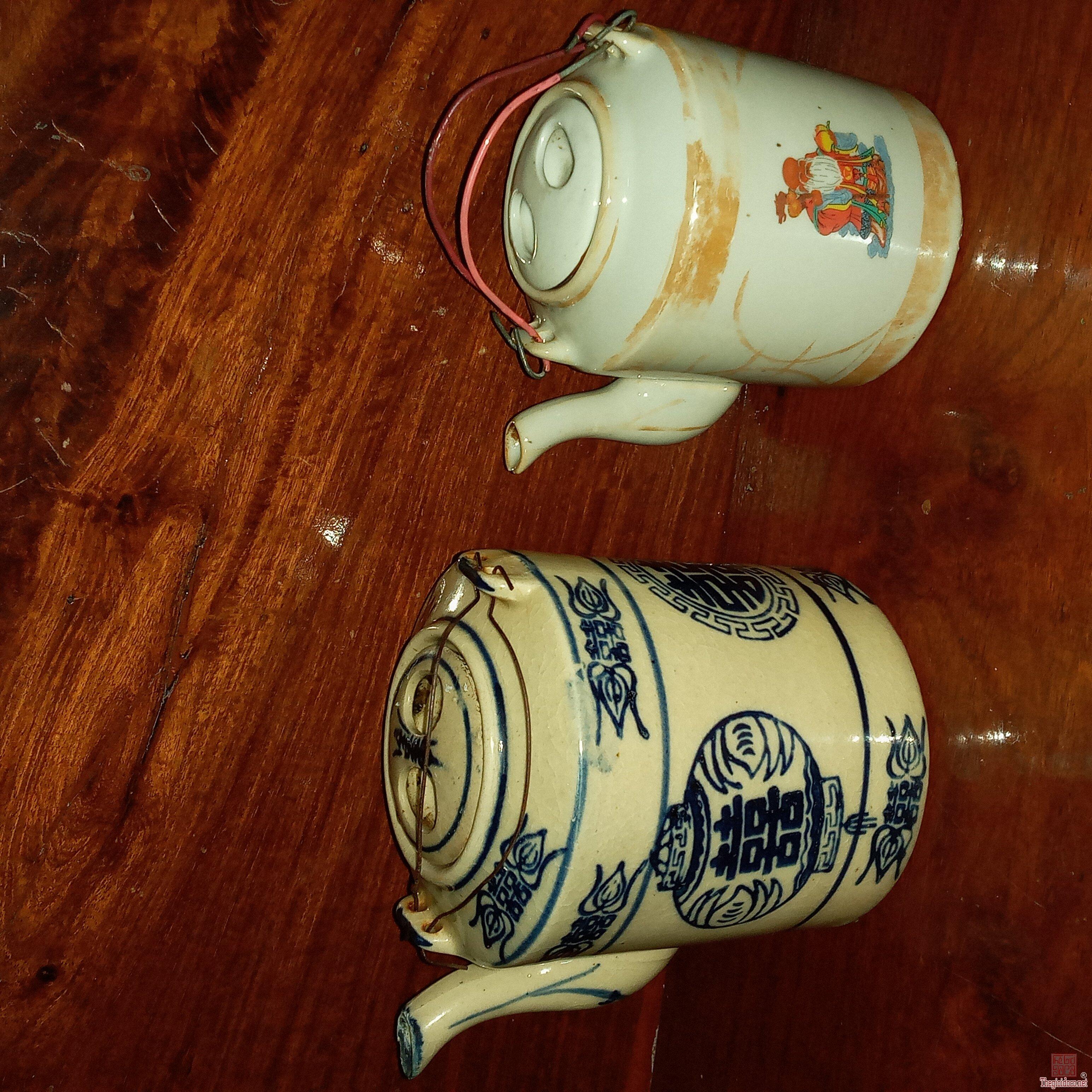 Giao lưu:2 bình trà xưa.