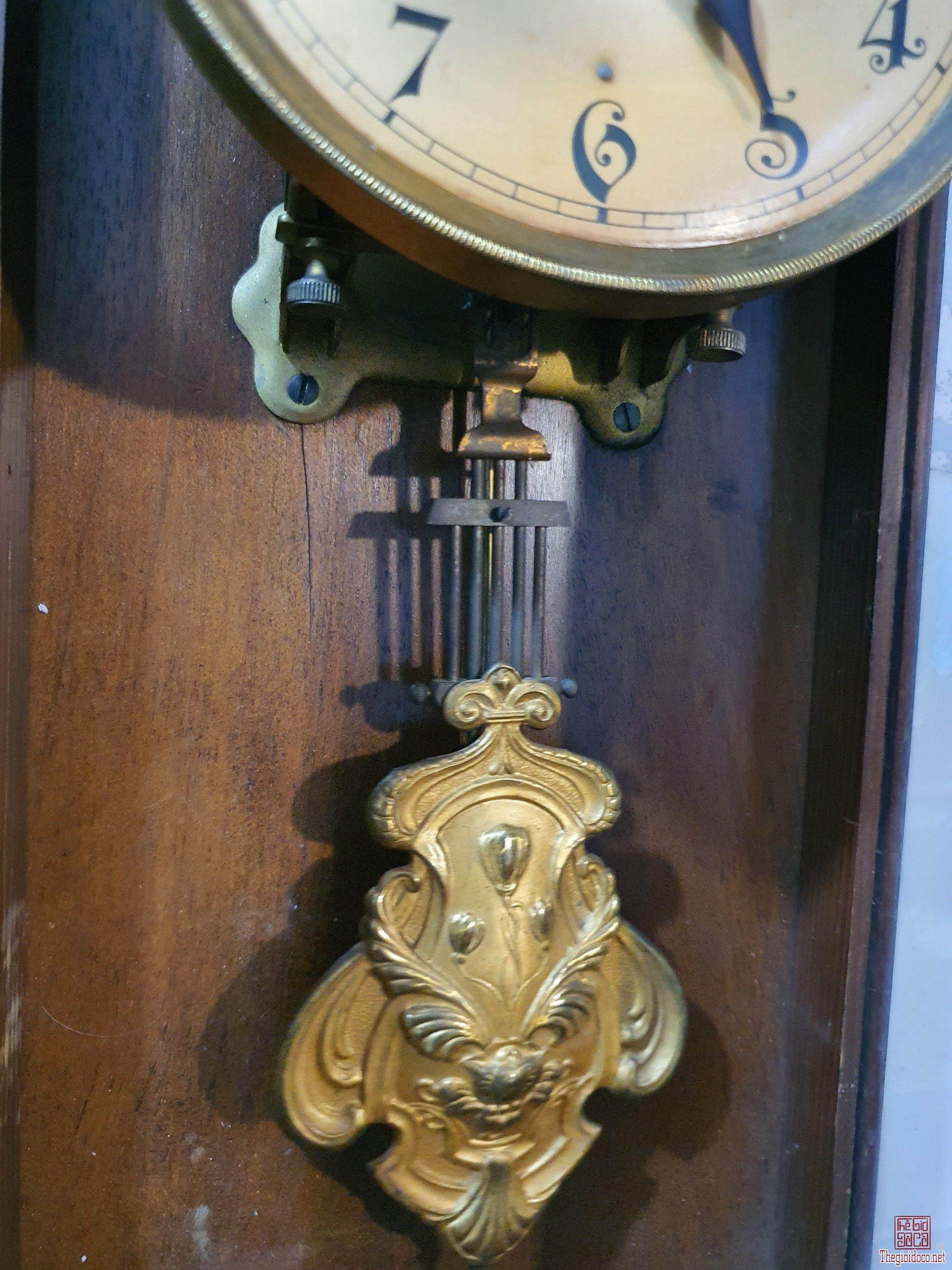 Đồng hồ cổ 2 mũi tên Junghans Đức
