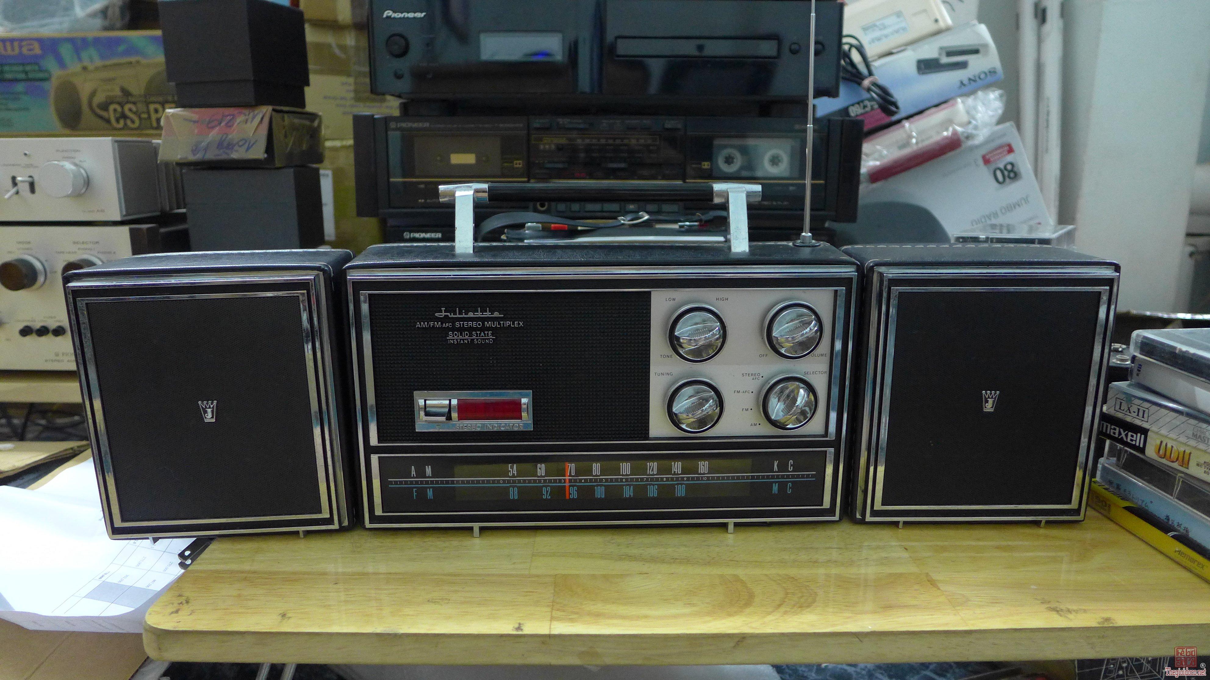 HCM - Q10 - Bán radio Mitsubishi 8X-815L và Juliette TPR-1121X, Japan