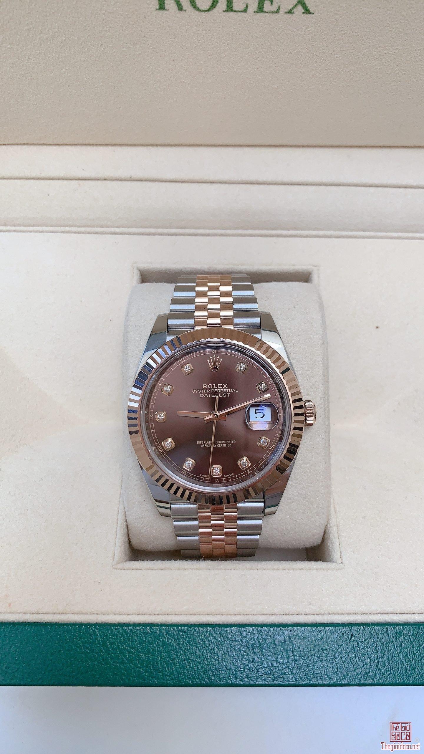 Đồng hồ Rolex Date Just 126331 mặt nâu chocolate