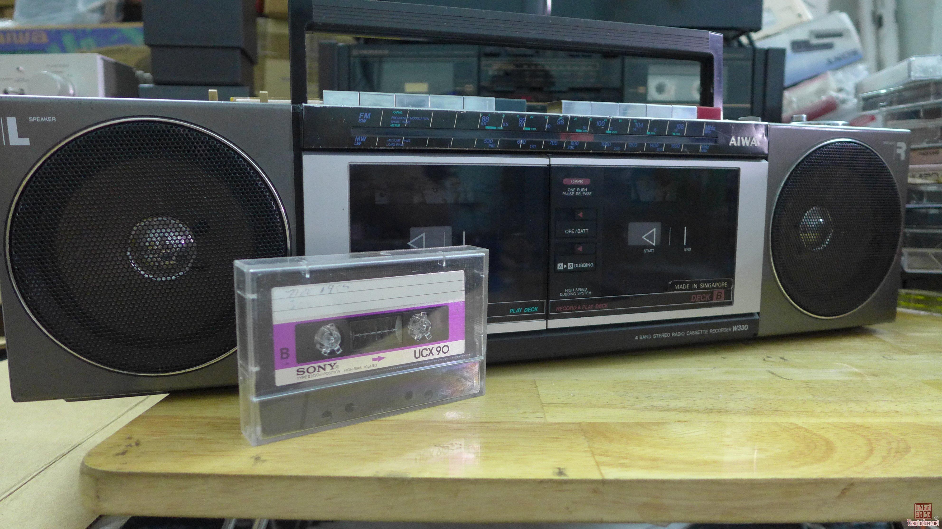 HCM - Quận 10 - Bán Cassette Aiwa W330 - Singapore.