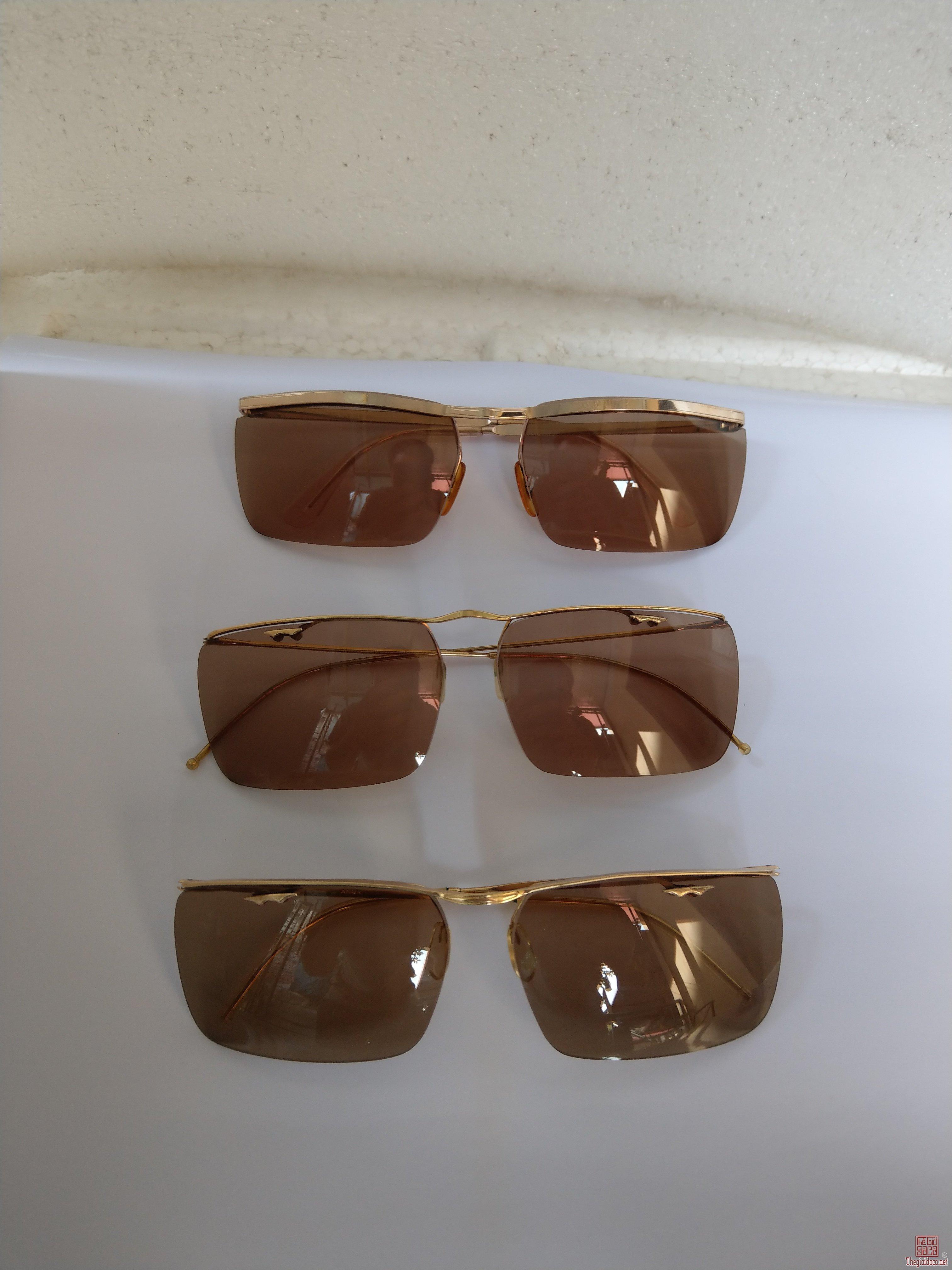 E mới về 3 cái kính cổ bọc vàng của Anh và Pháp.