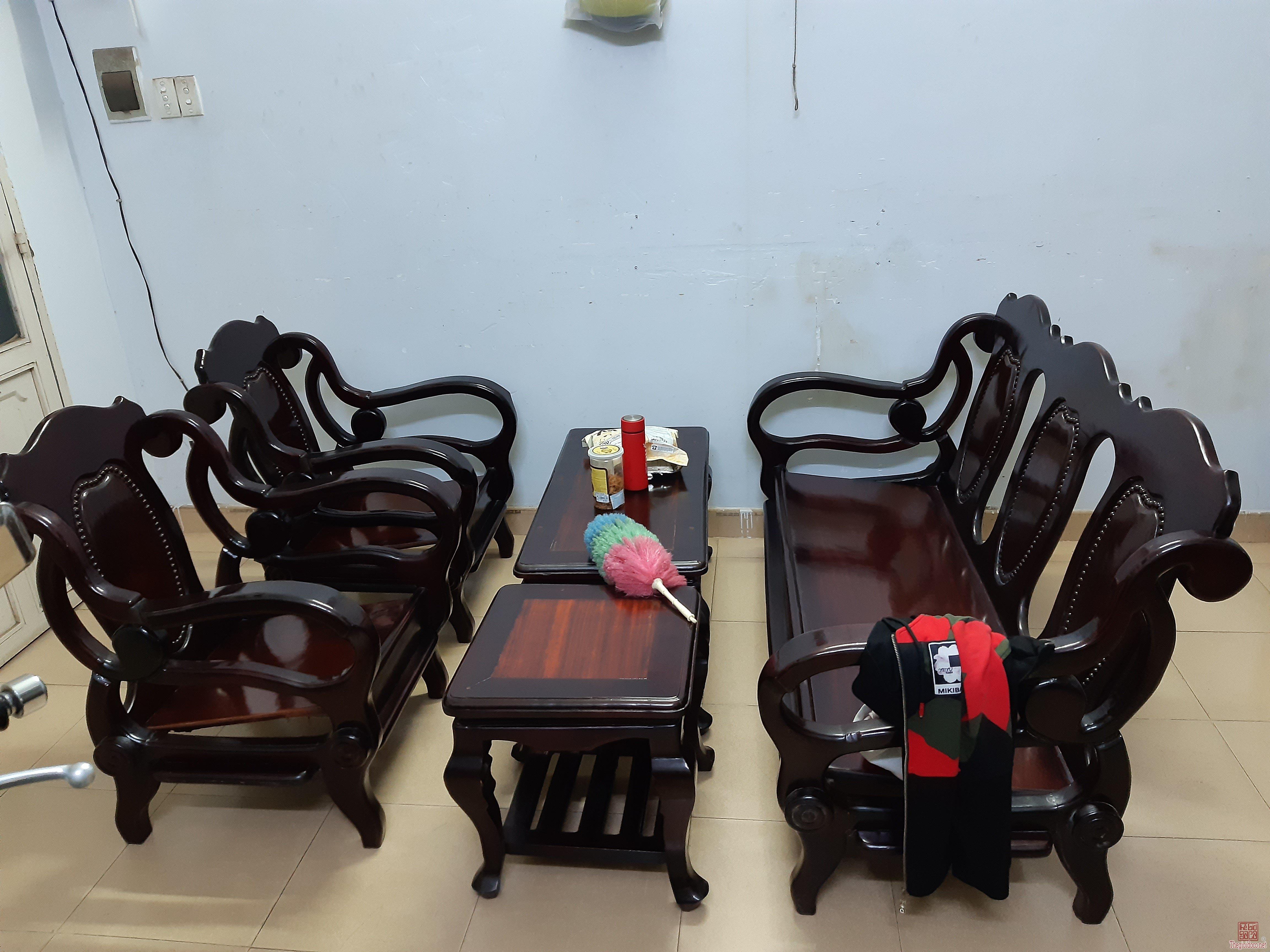 Thanh lý bộ ghế lâu năm gõ mật