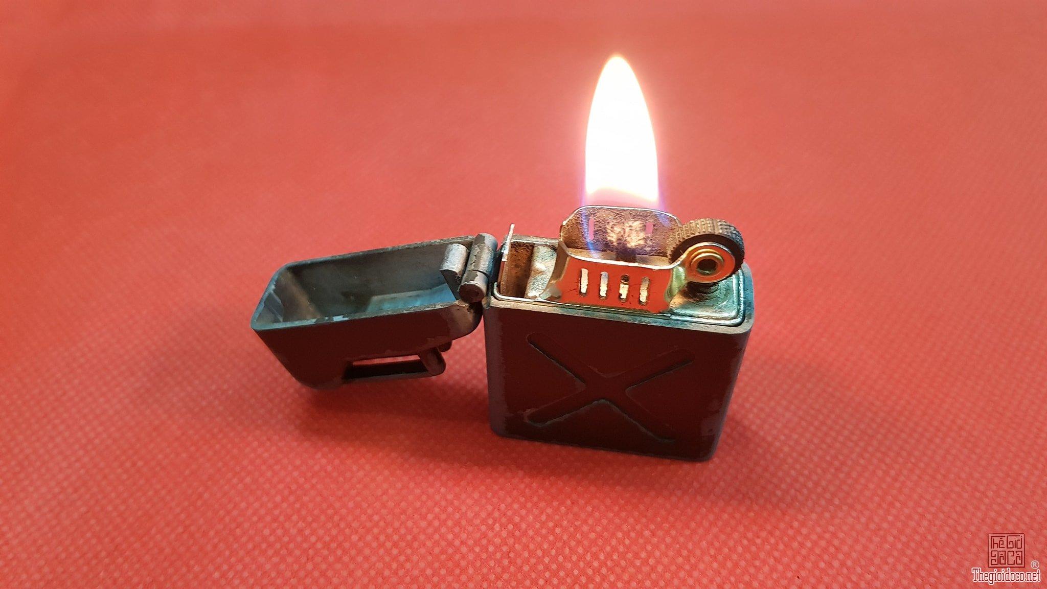 Bật lửa can xăng