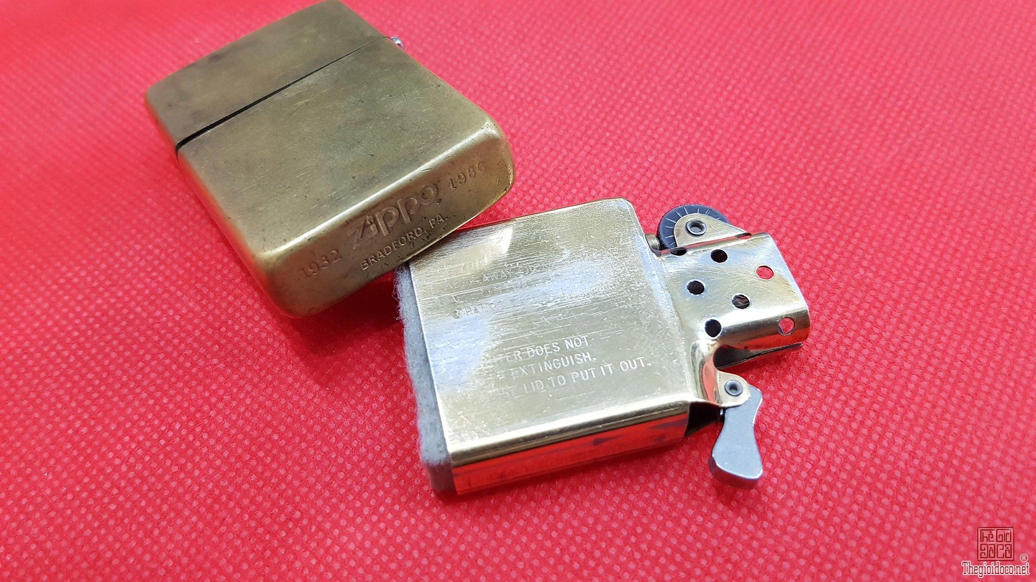 Zippo Solid Brass Chu Niên 1932-1986