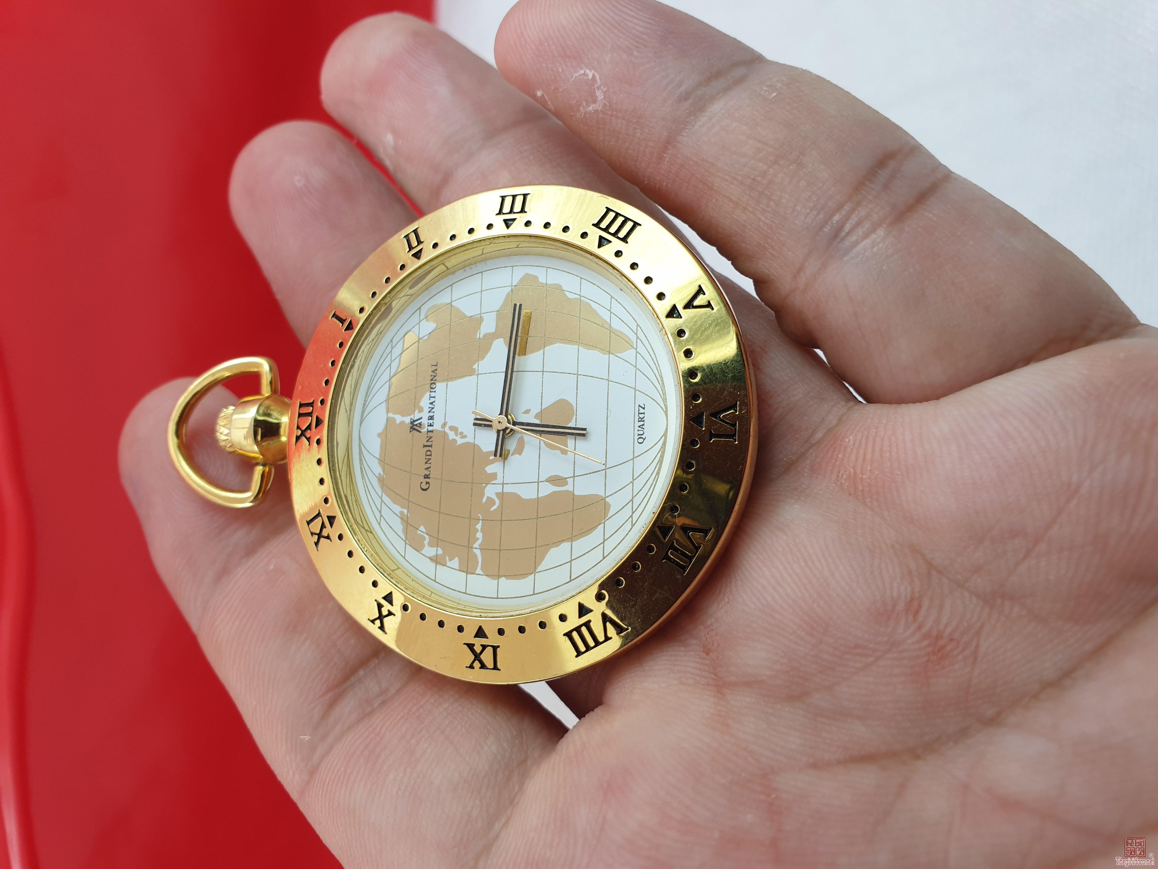 Đồng hồ quả quýt lacke vàng đẹp hoàn hảo