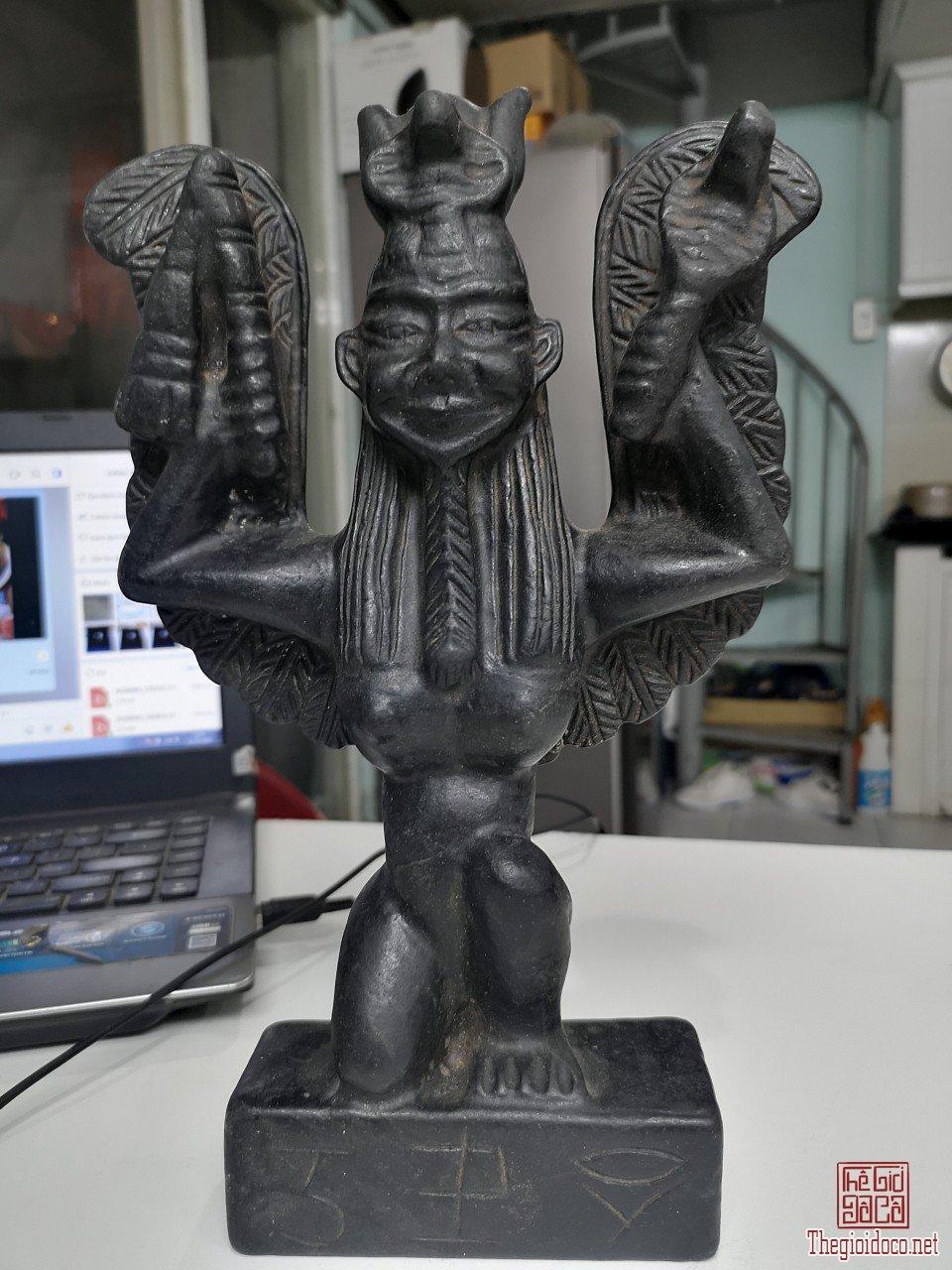 Thiên thạch và tượng thiên thạch độc lạ quý hiếm các loại bán sỉ và lẻ