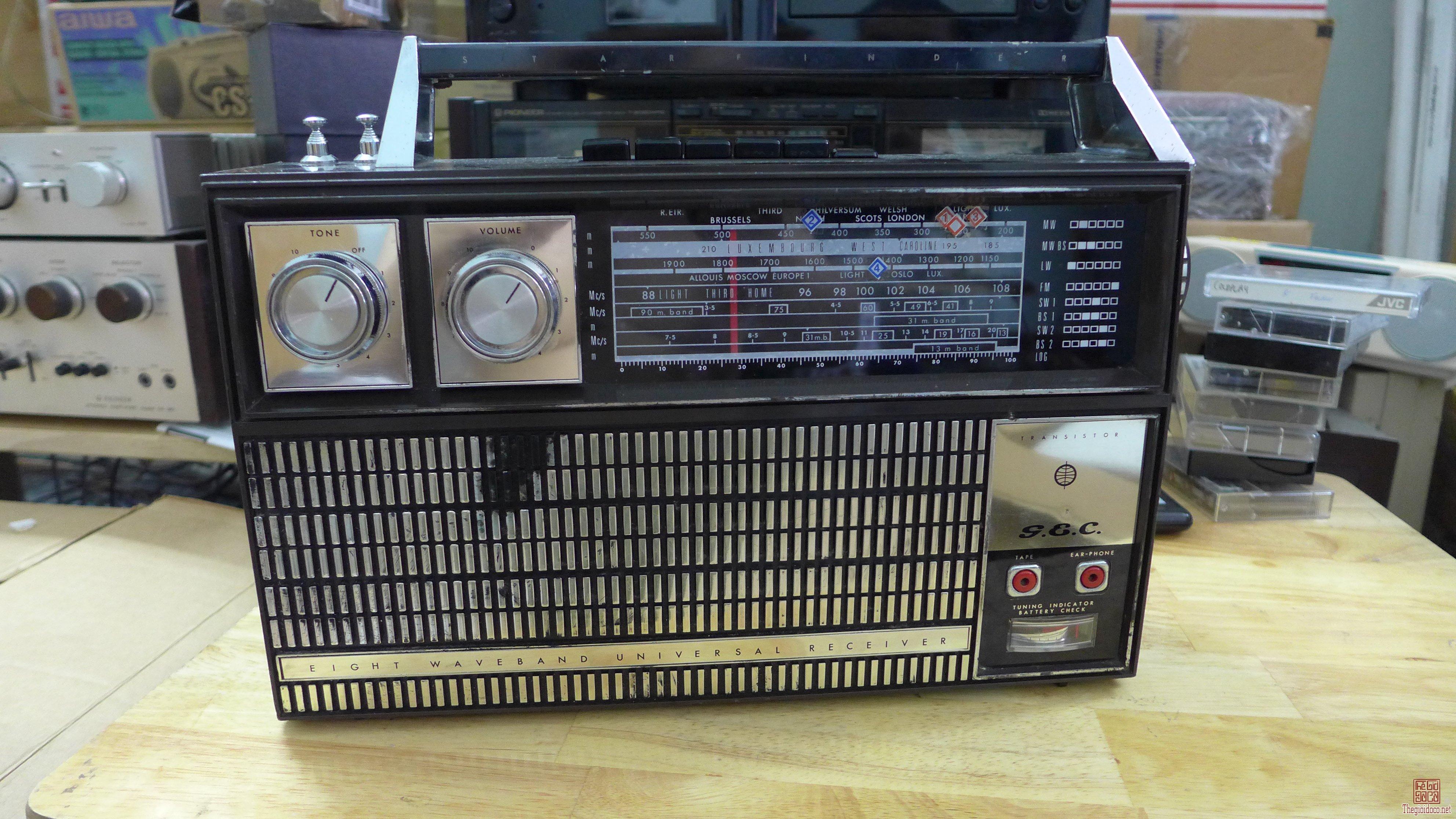 HCM - Q10 - Bán Radio Philips và G.E.C G820 - xả hàng lấy tiền cân ký .