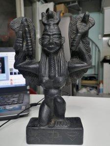 Thiên thạch và tượng thiên...